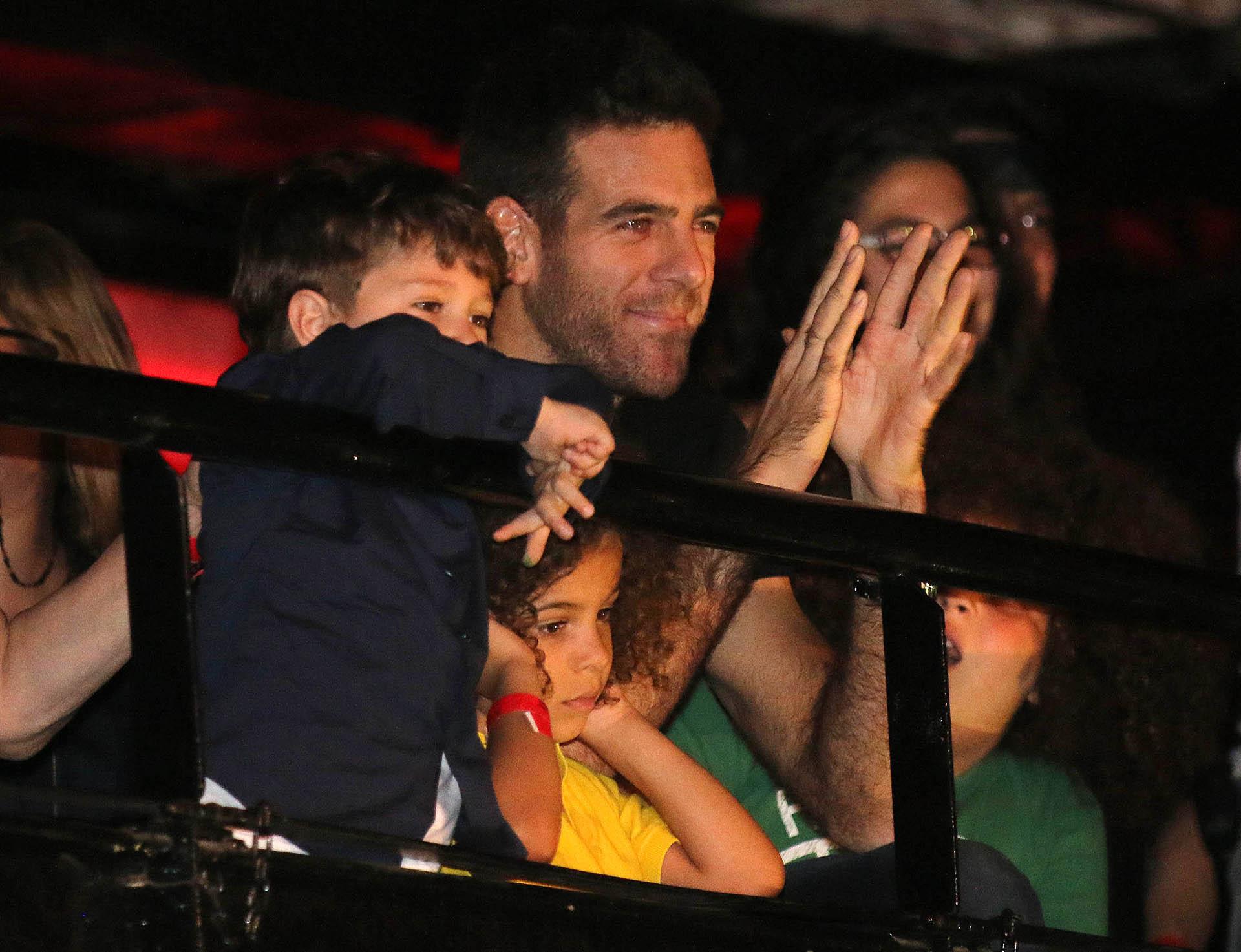 El tenista vio todo el show desde la platea junto al hijo que la cantante tuvo con Daniel Osvaldo, Morrison (Verónica Guerman)