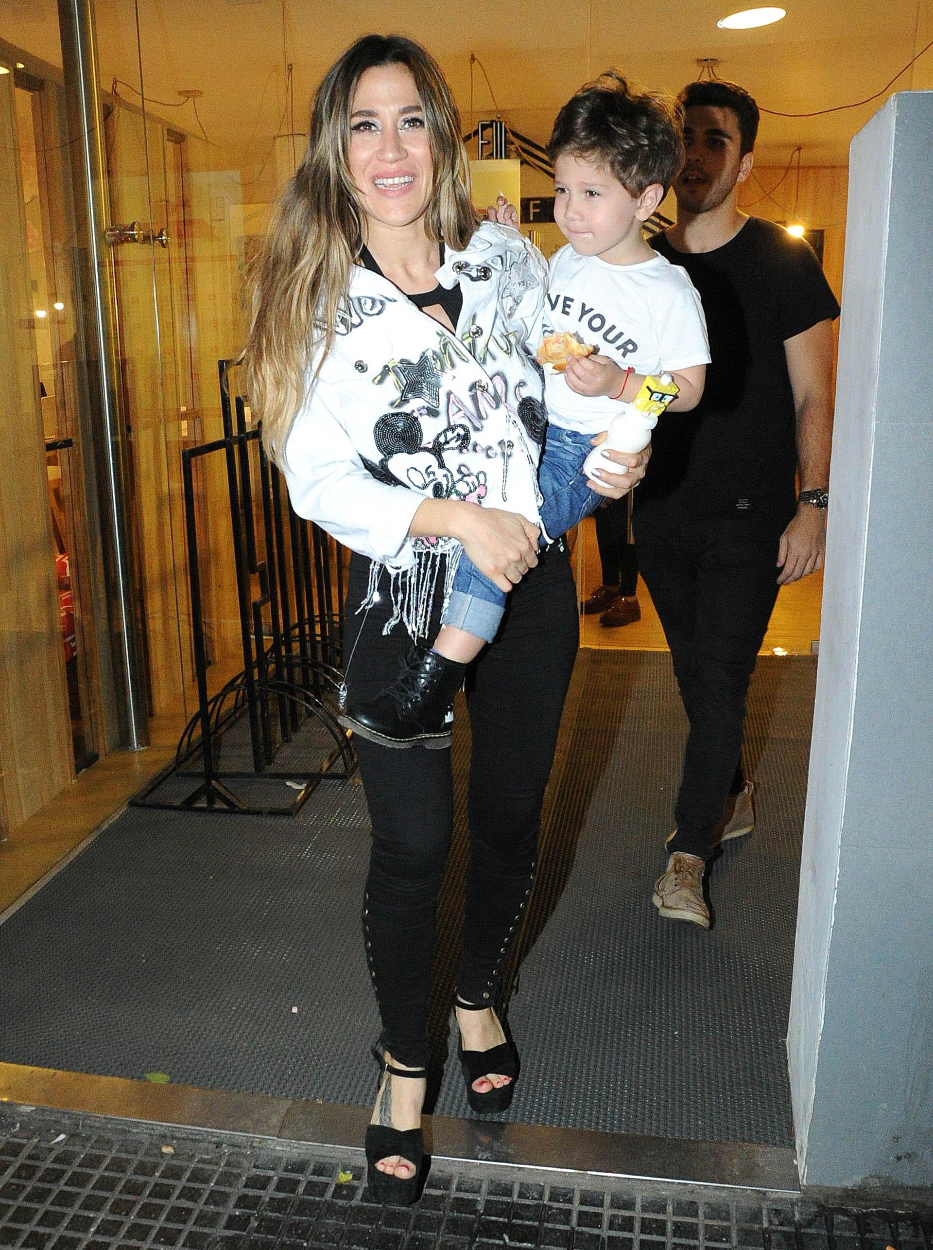 Jimena Barón con su hijo, Momo (Verónica Guerman)