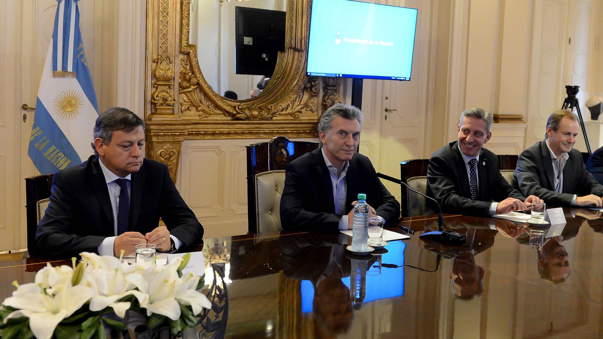 Mauricio Macri junto a gobernadores en Casa Rosada el año pasado