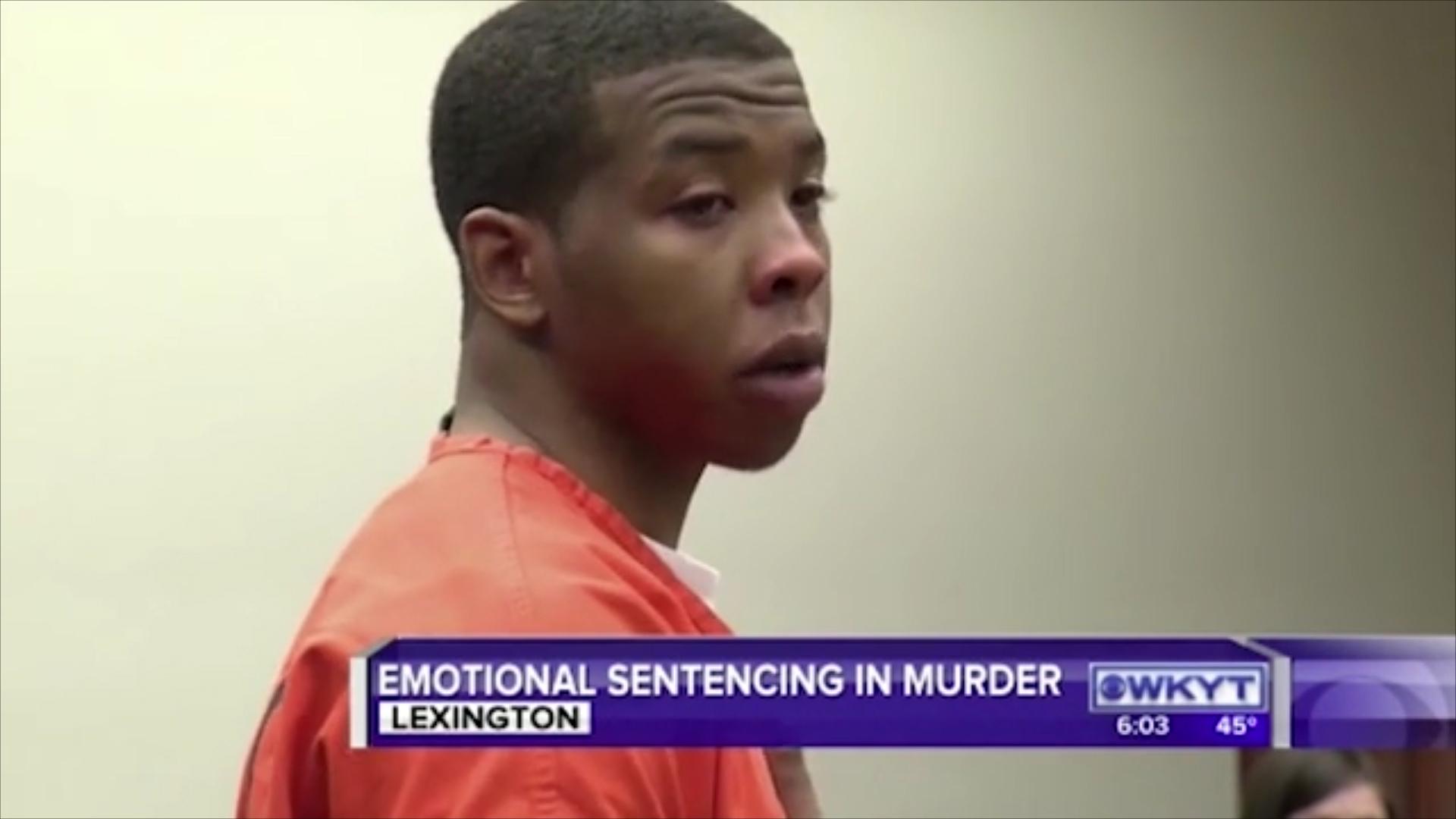 El emotivo momento en que un padre perdona y abraza al asesino de su ...