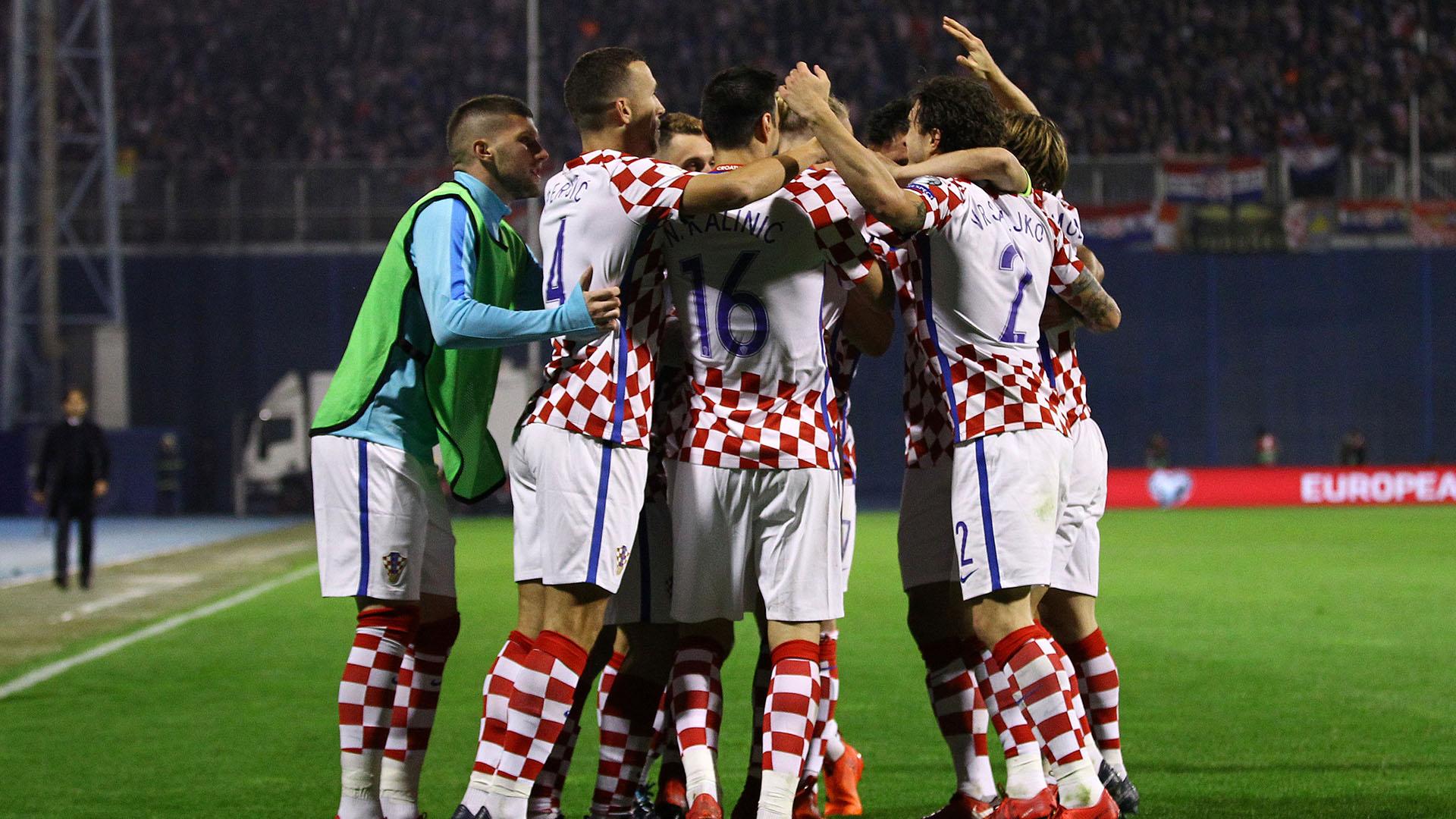 Croacia se impuso 4 a 1 de local ante Grecia y empató 0-0 de visitante (Reuters)