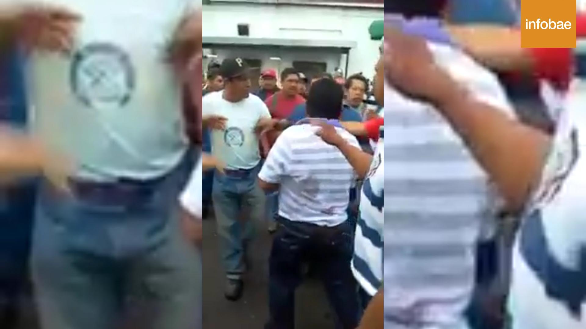 Carlos A. Carrillo primero fue increpado y luego brutalmente golpeado