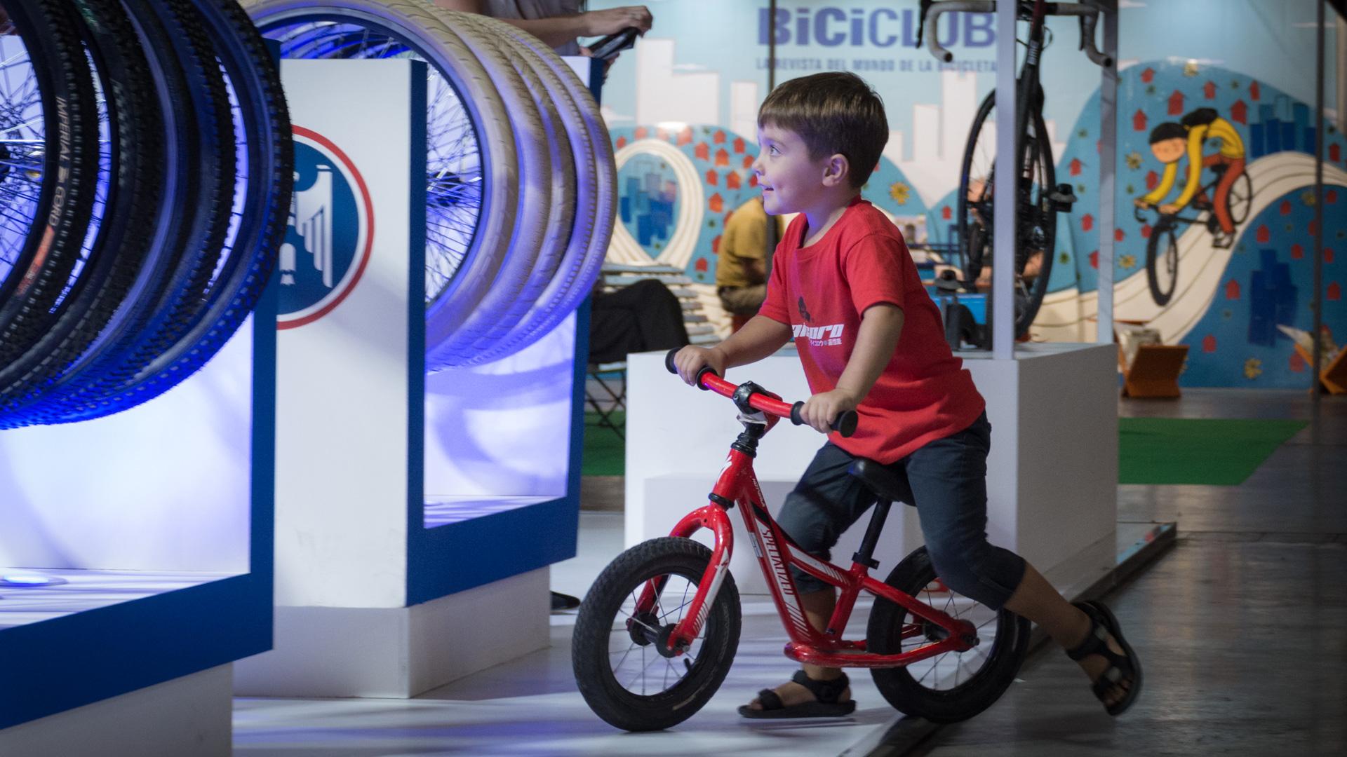 Para los niños se darán clases de manejo. En tanto para los más grandes, habrá cursos de mecánica y mantenimiento de bicis