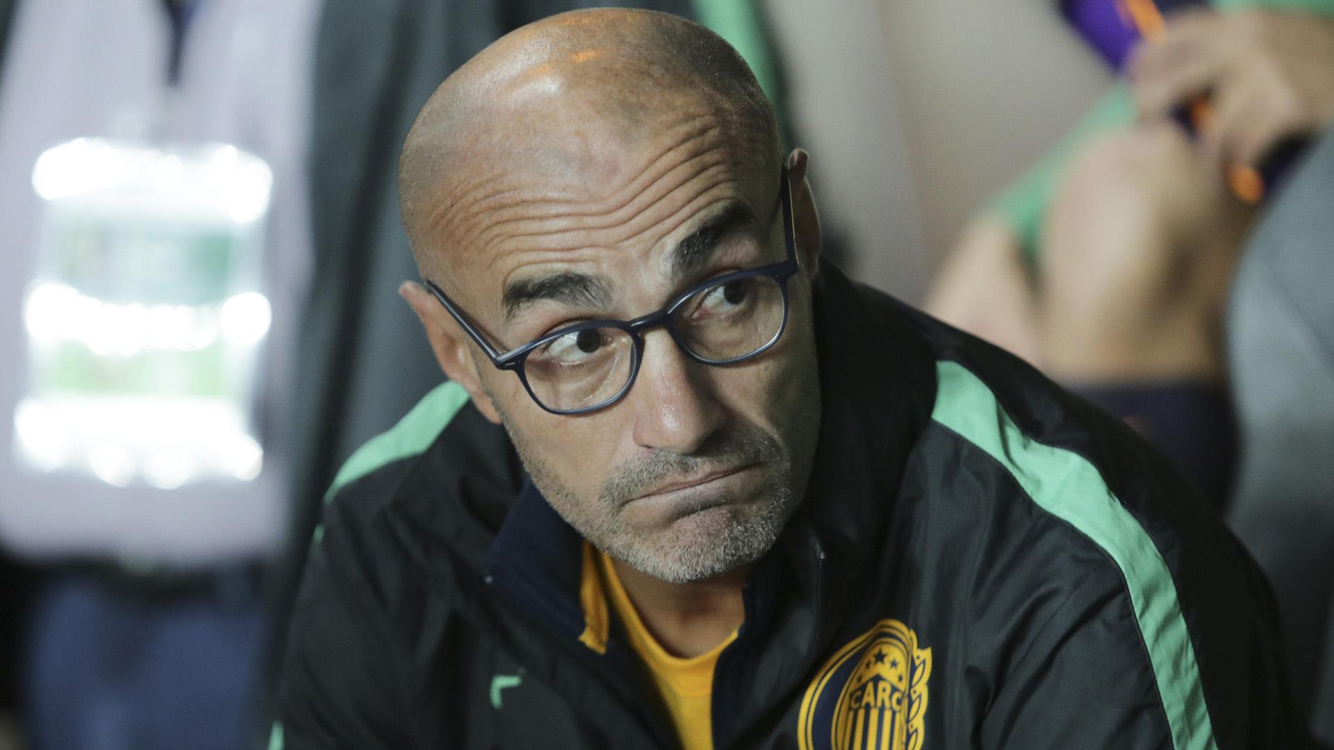 Paolo Montero renunció a la dirección técnica de Rosario Central (NA)
