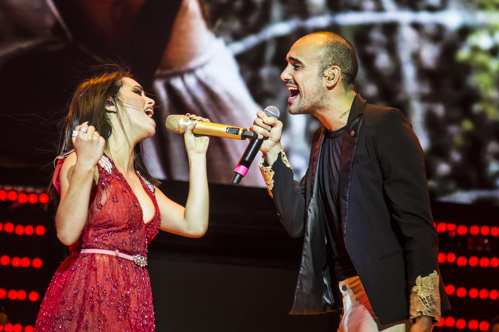 """Con Abel Pintos interpretaron las canciones """"Ego"""" y """"Oncemil"""""""