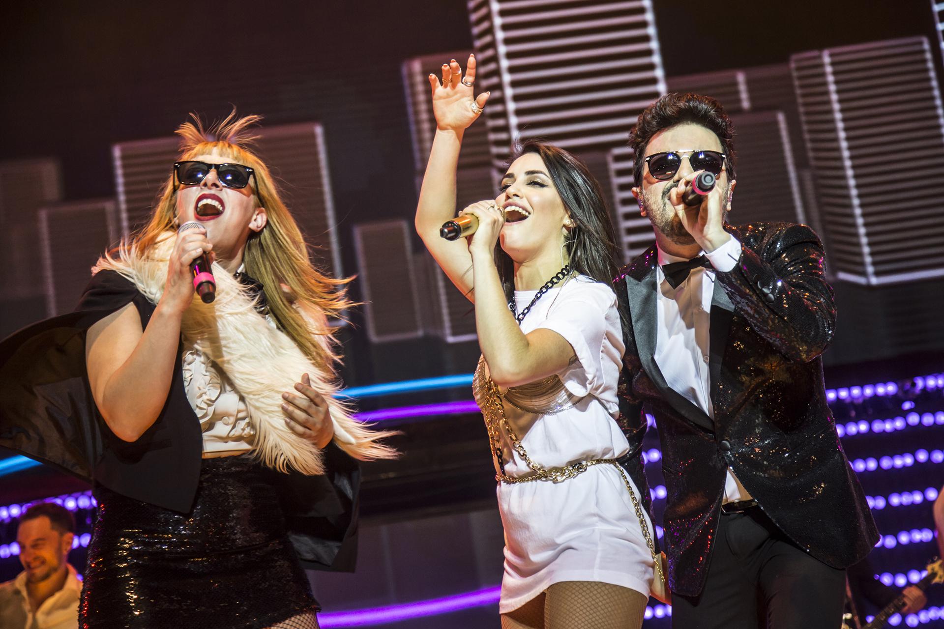 """El dúo Miranda! cantó junto a la artista """"Irresistible"""""""