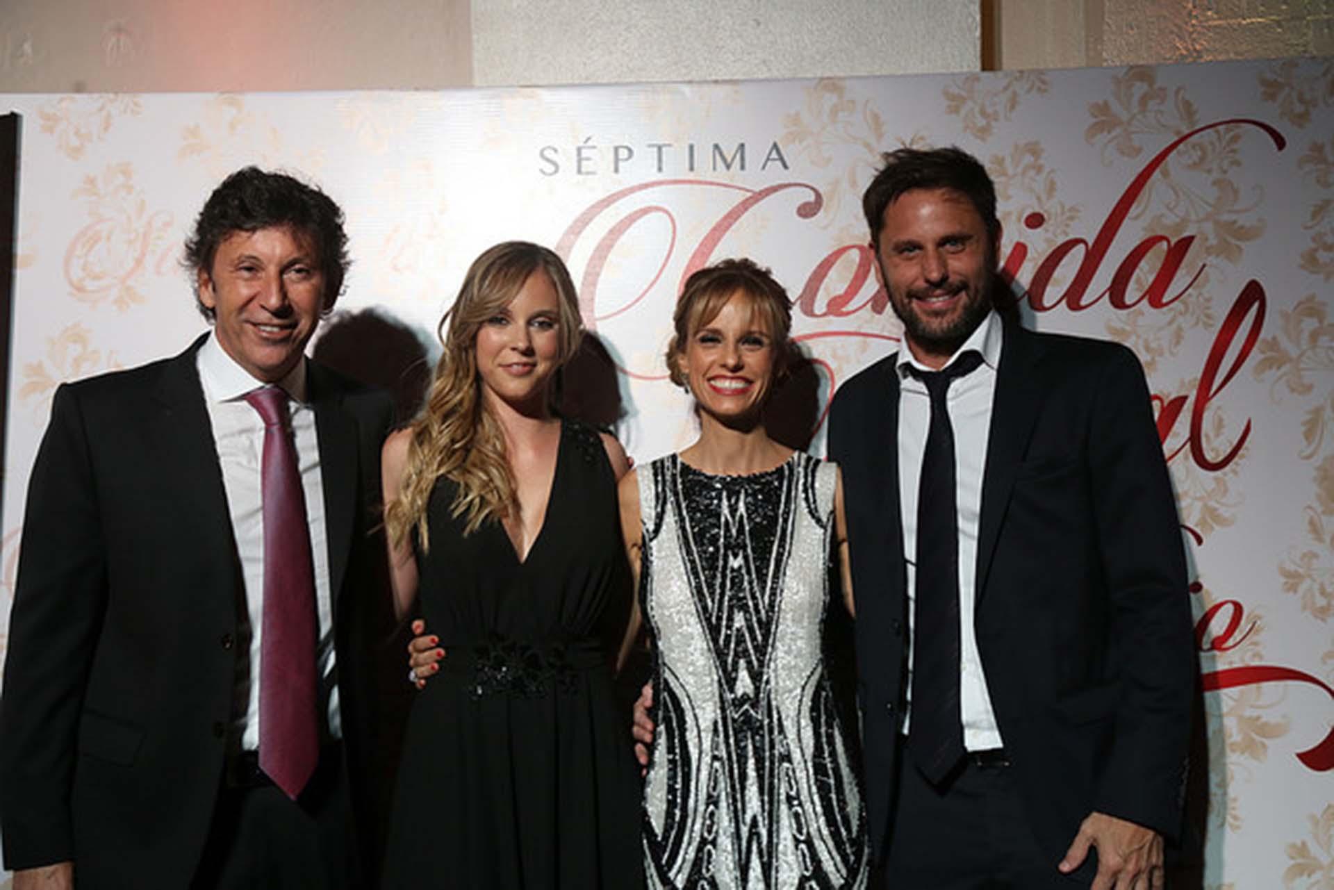 Gustavo Posse y su hija Macarena junto a Mariana Fabbiani y su marido Mariano Chihade