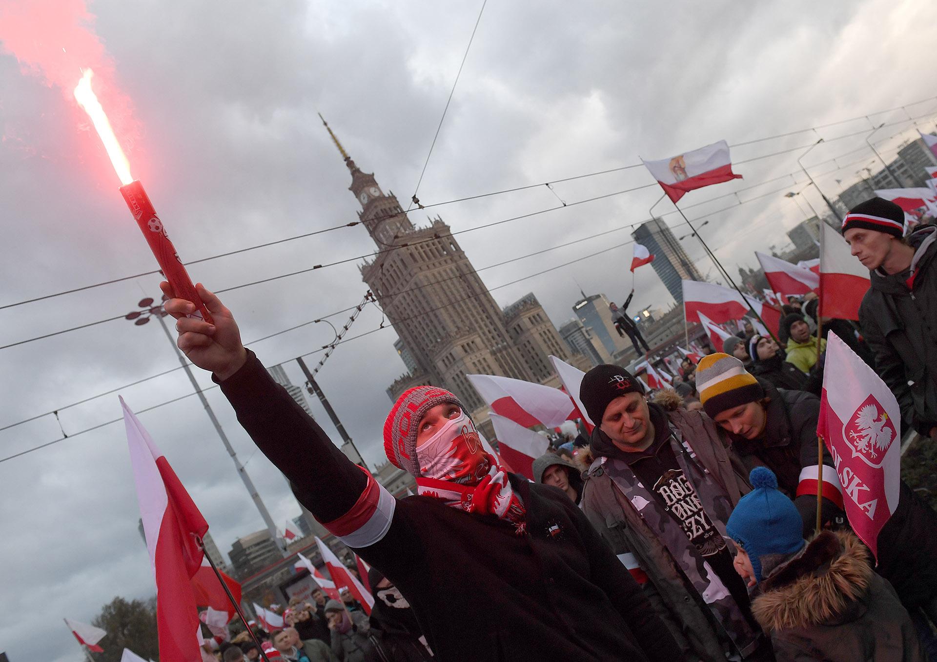 Esta marcha anual organizada por grupos nacionalistas para conmemorar la independencia de Polonia nació en 2009, y cada año ha ido creciendo hasta convertirse en un fenómeno social