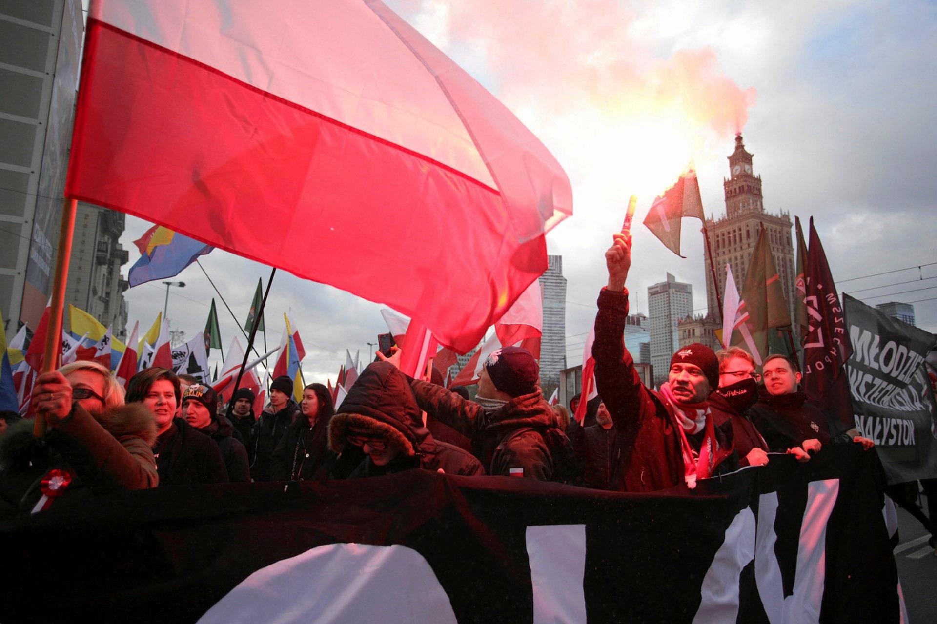 En ediciones anteriores, en 2013 y 2014, la marcha se saldó con enfrentamientos entre grupos nacionalistas y de extrema izquierda, con decenas de detenidos y disturbios hasta la madrugada