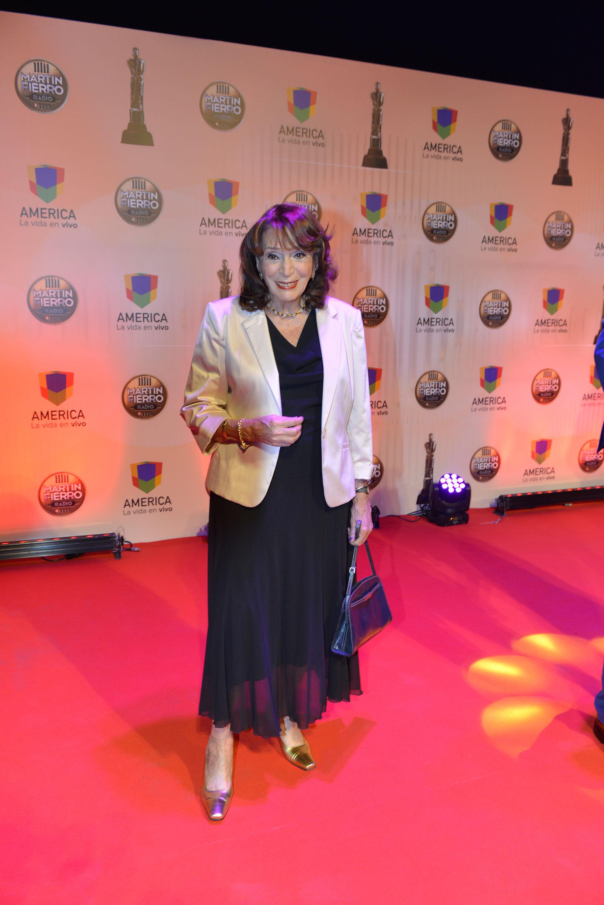 Magdalena Ruíz Guiñazú fue una de las periodistas homenajeadas de la noche.