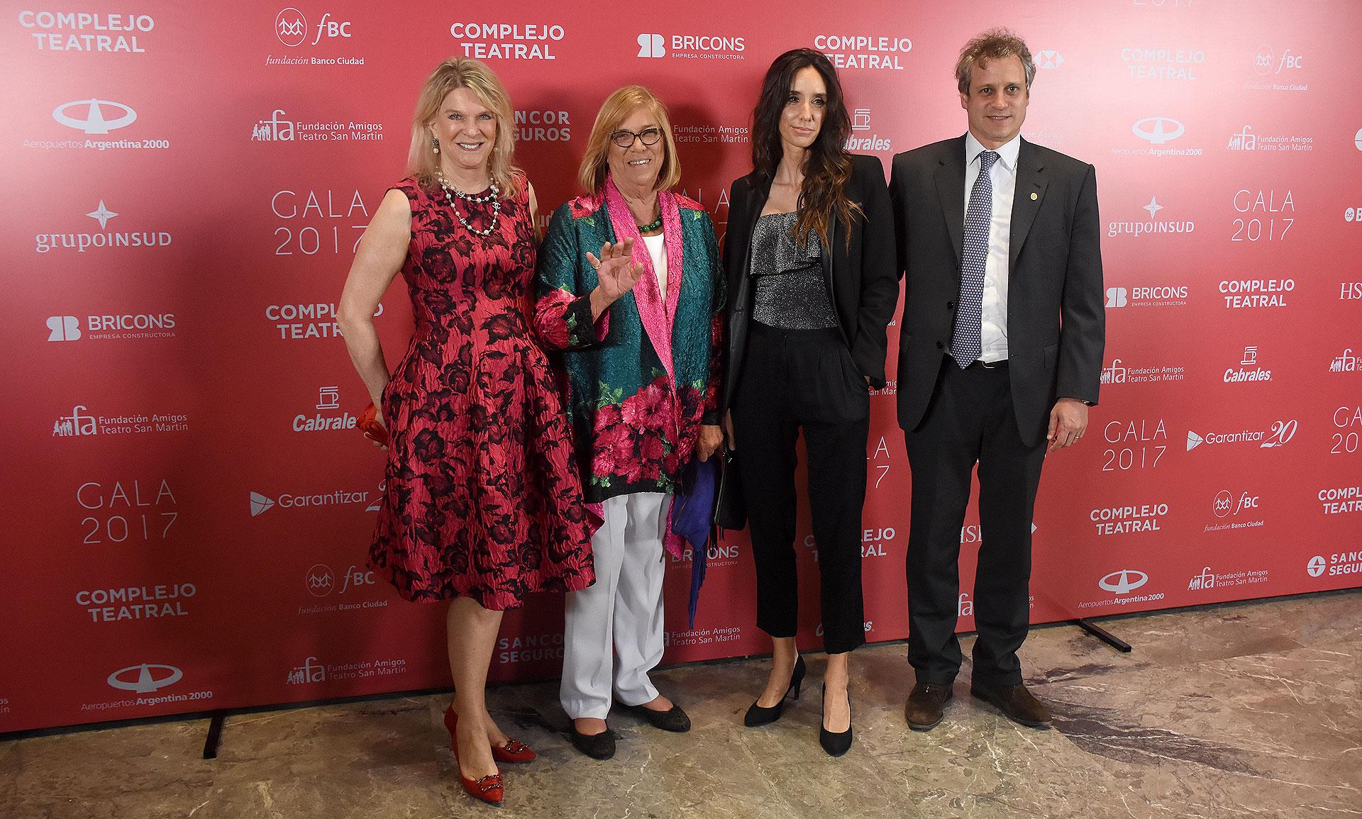 Eva Soldati y la diputada Lía Rueda junto al jefe de Gabinete porteño, Felipe Miguel y su mujer Sofía