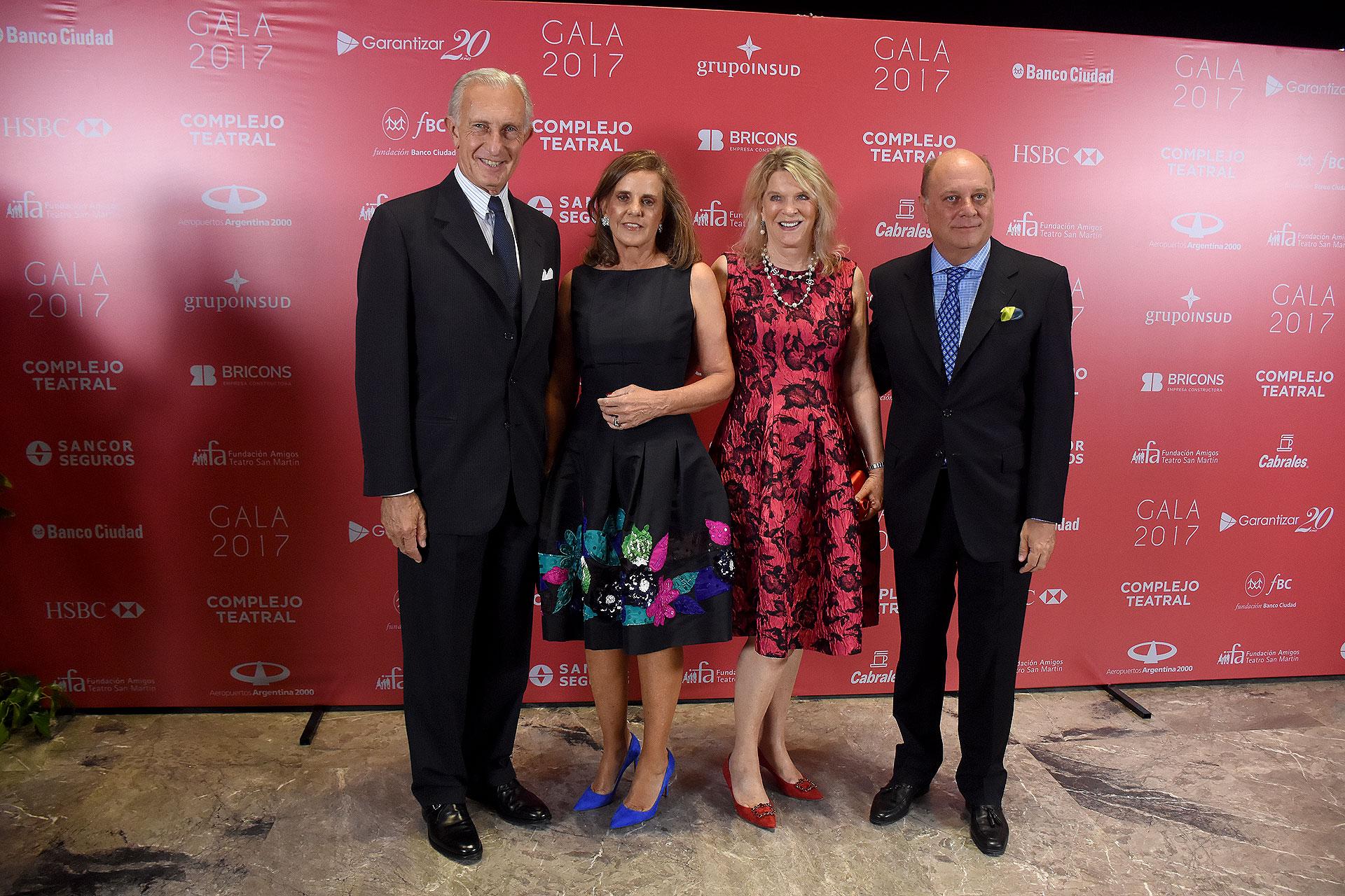 Jorge Neuss y Silvia Saravia de Neuss junto a Eva Soldati y Martín Cabrales