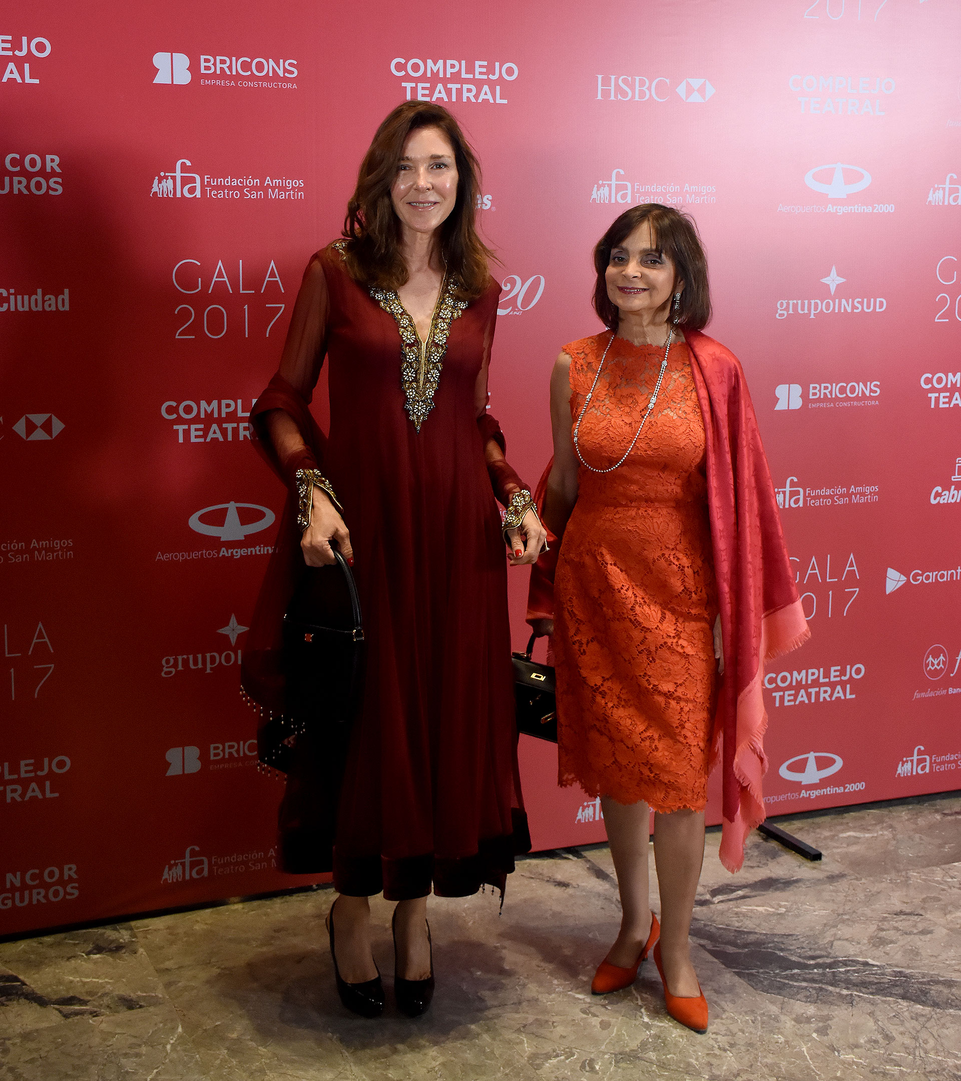 Patricia Pearson de Vergez y Claudia Stad