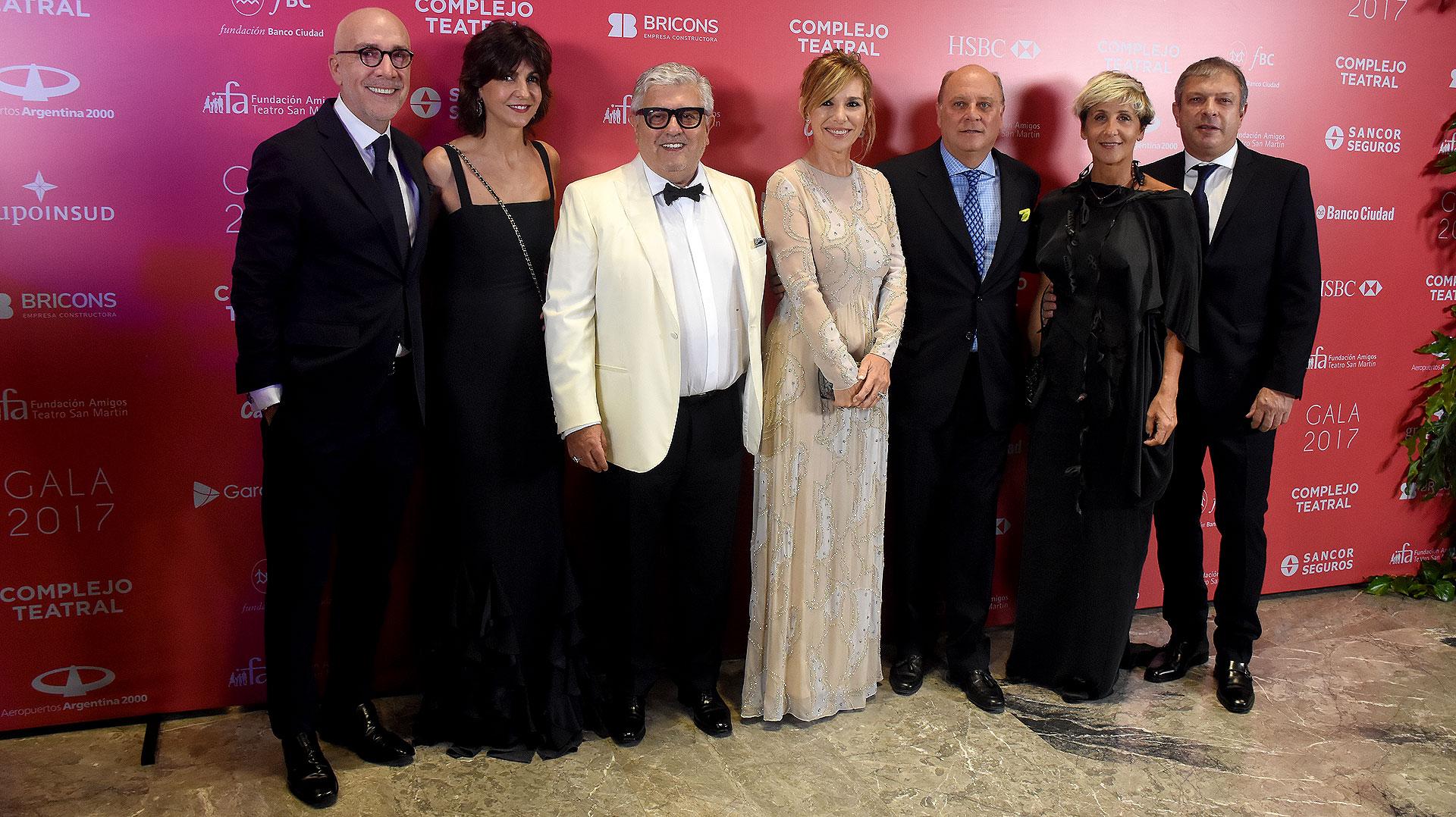 Carlos Entenza, Evangelina Bomparola, Carlos Gorosito, Grace Ratto, Martín Cabrales, Alejandra y Abel Espósito