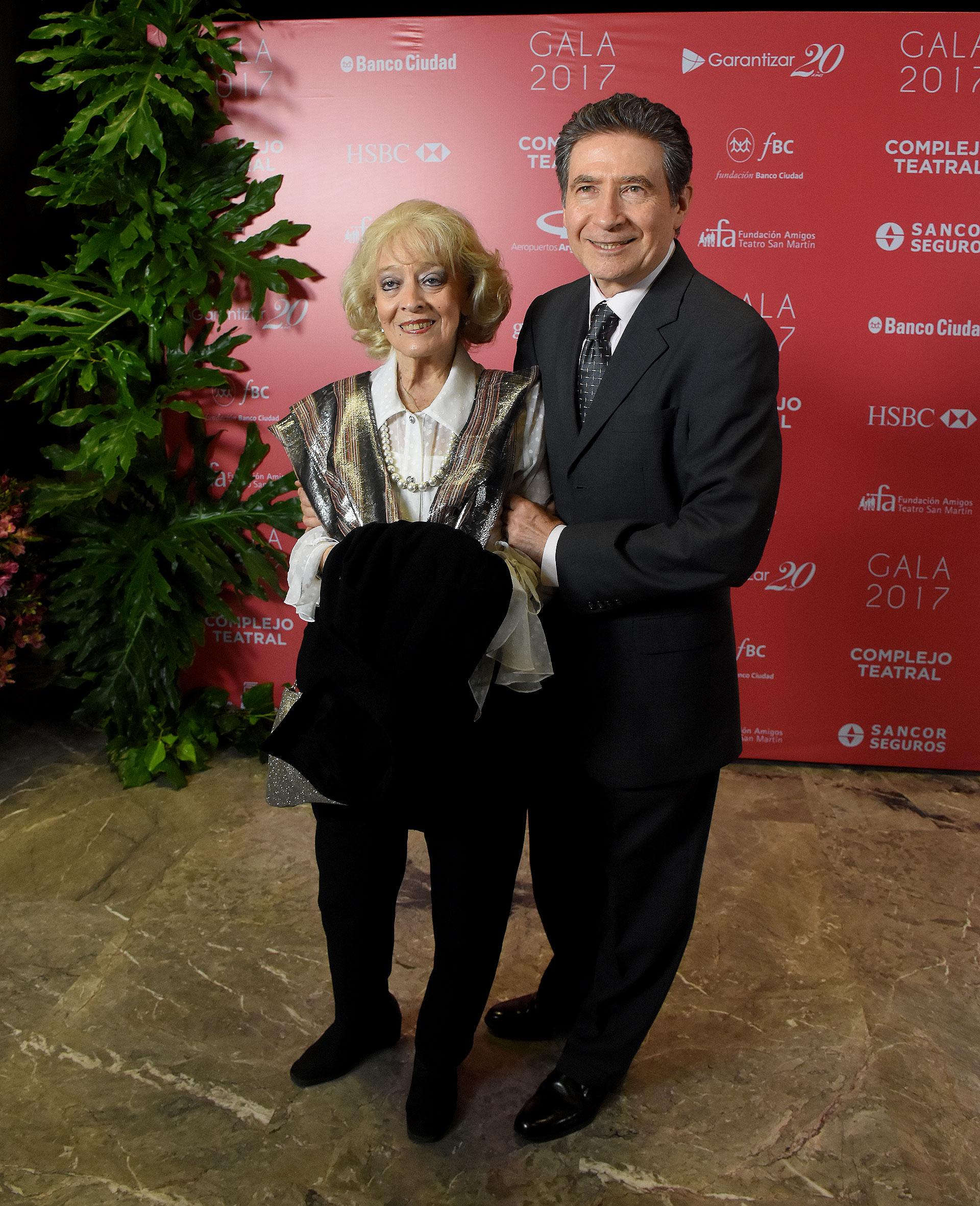 El embajador de Francia en la Argentina, Pierre-Henri Guignard, y su mujer Marie-Carmen