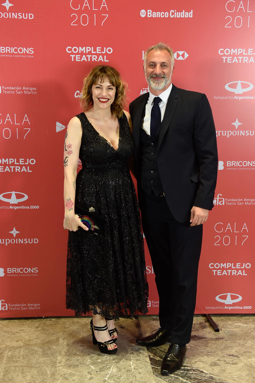 Connie Ansaldi y su pareja