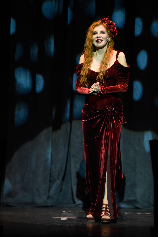 Nacha Guevara fue una de las grandes sorpresas de la noche y brilló sobre el escenario