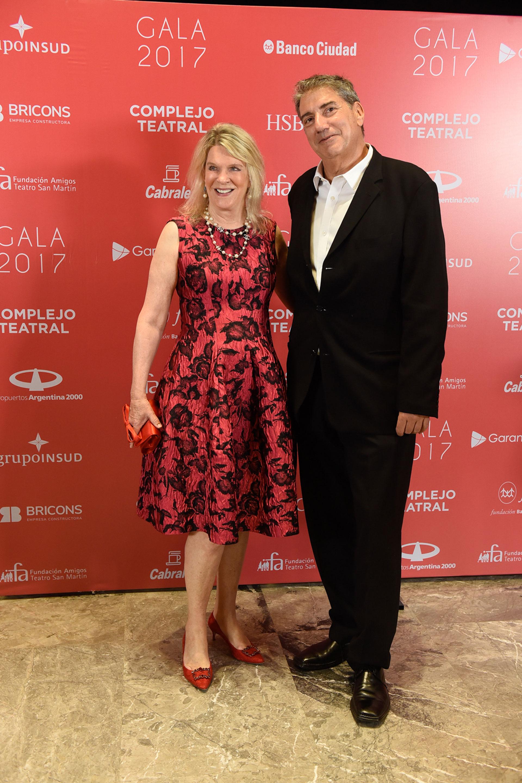 Eva Soldati y el presidente del INCAA, Ralph Haiek