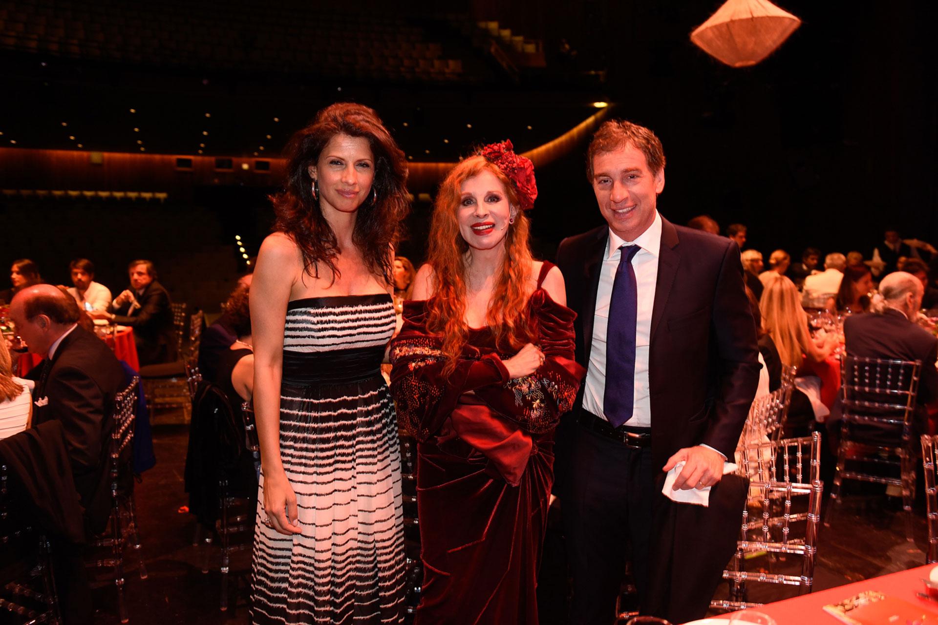 Analía Maiorana, Nacha Guevara y Diego Santilli