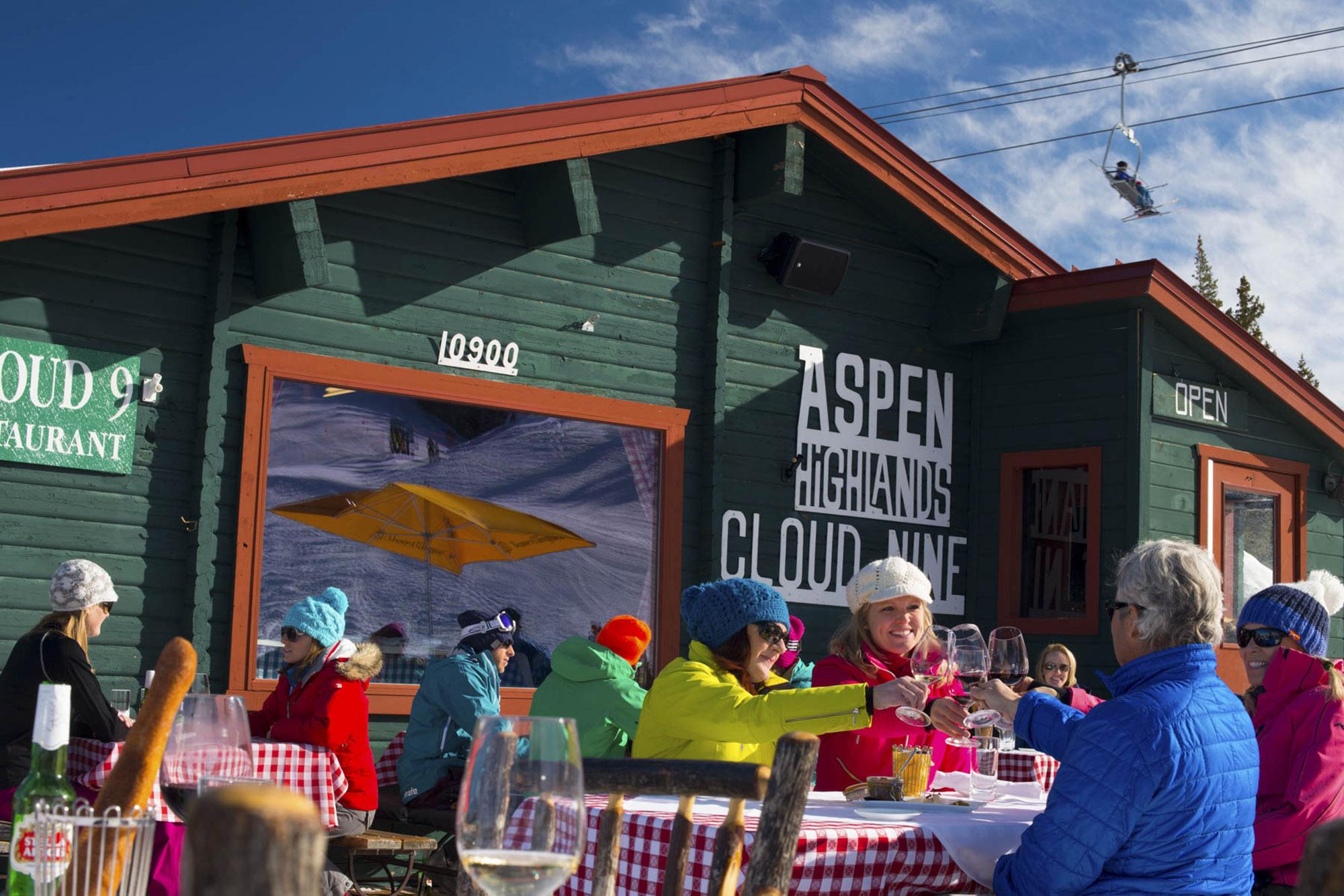 En Aspen (Colorado) encontrarás una de las zonas más vibrantes con buena comida y bebida para todos los que quieran pasar un buen rato (Aspen Skiing Company/The Washington Post)