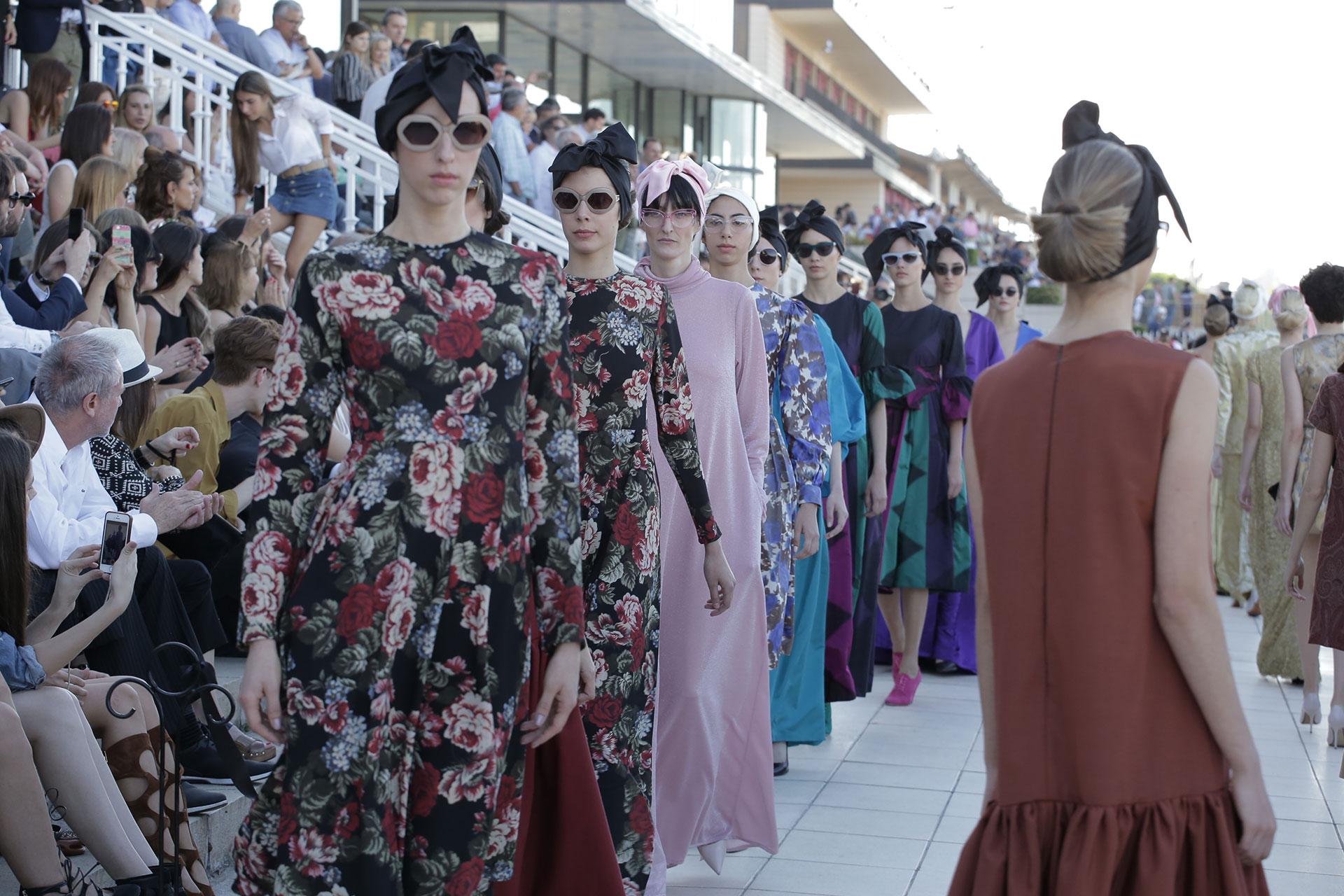 Más del desfile que tuvo como escenario el glamoroso Hipódromo de Palermo