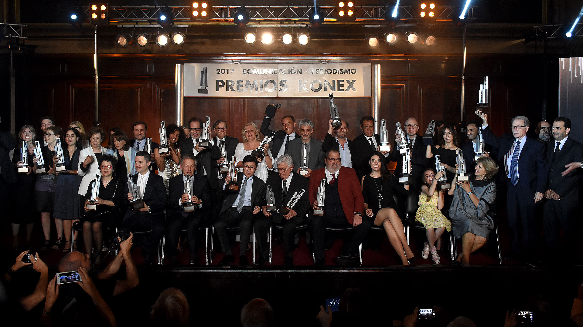 Los ganadores de los Premios Konex 2017 – Comunicación y Periodismo /// Fotos: Nicolás Stulberg – Christian Bochichio