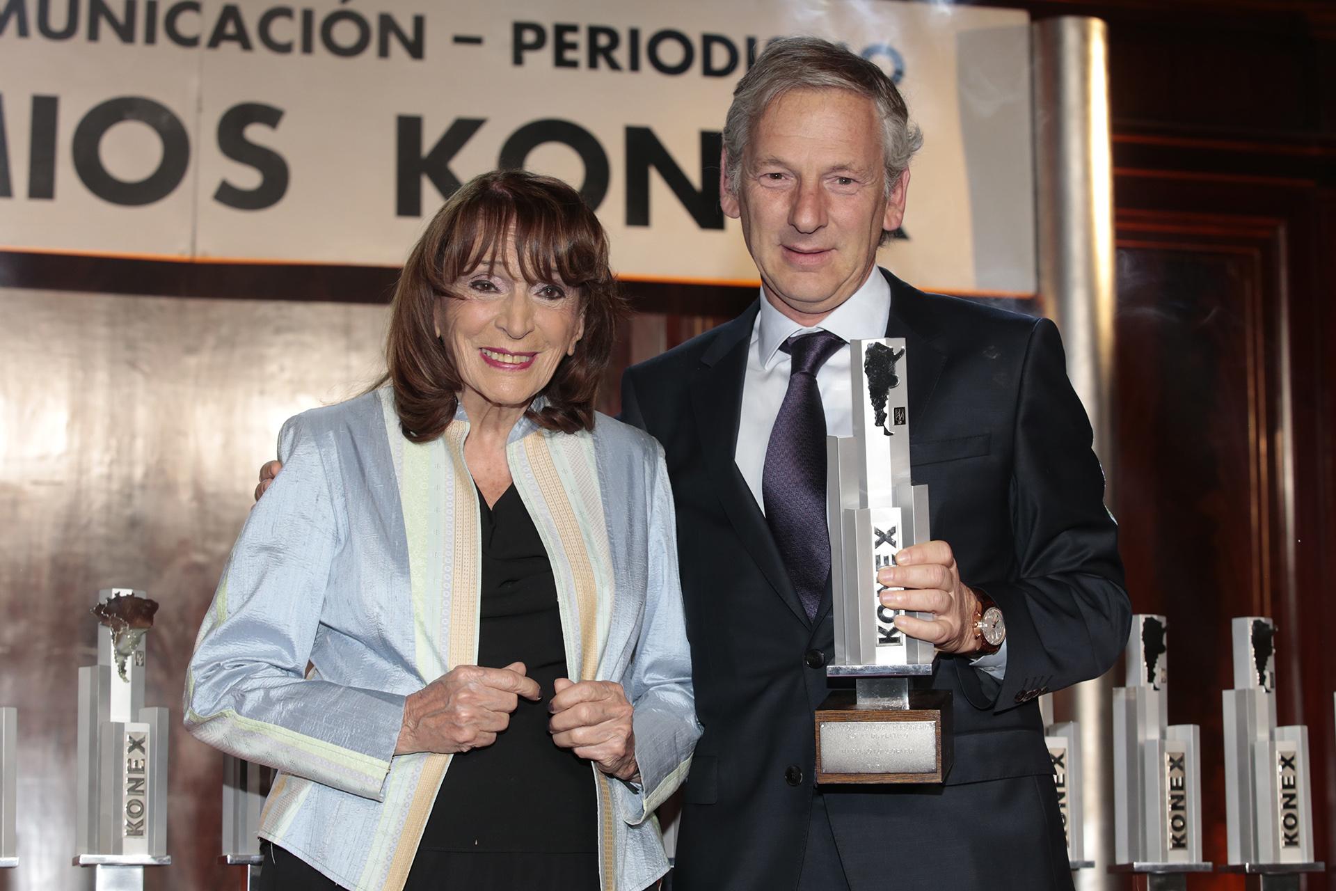 Magdalena Ruiz Guiñazú y el ganador del Konex de Platino en Radio, Marcelo Longobardi