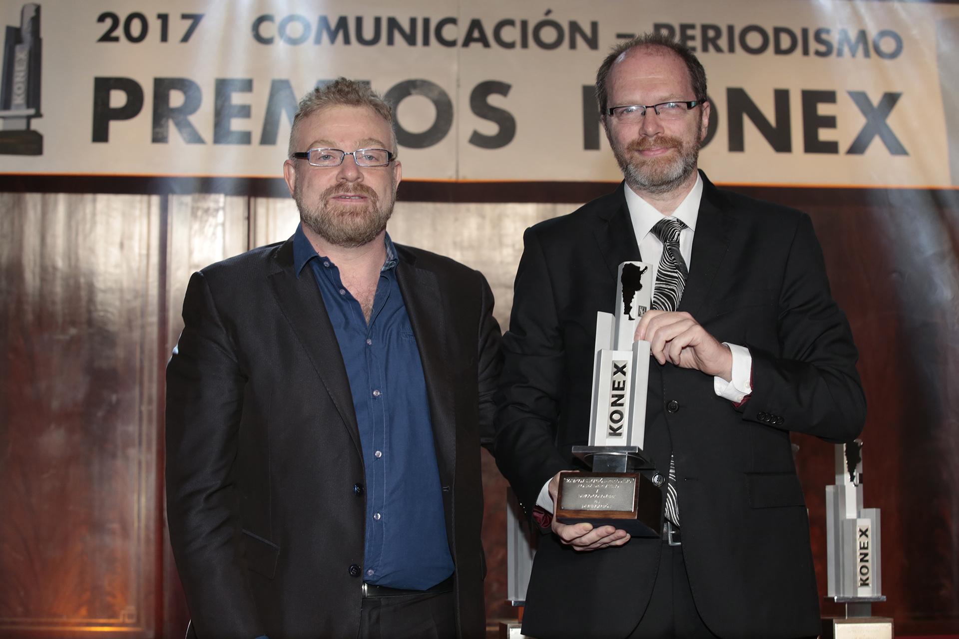 Rabinovich también entregó el Konex en la categoría Divulgación a Diego Golombek