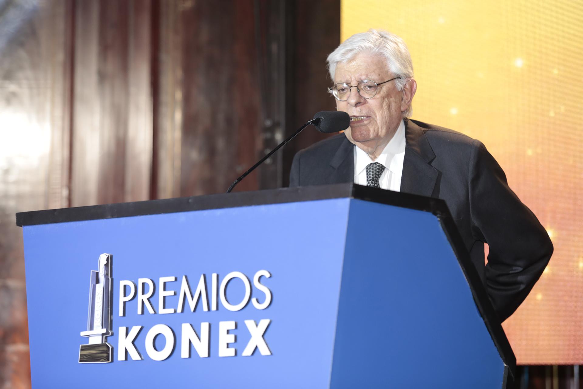 Hermenegildo Sábat recibió el premio máximo de la noche: el Konex de Brillante