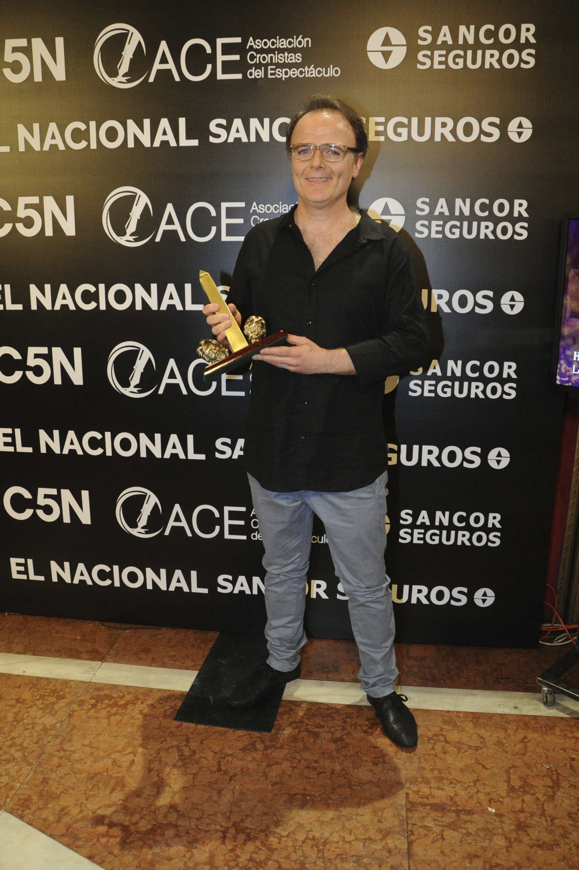 """Luis Machín ganó una estatuilla por su interpretación en """"I.D.I.O.T.A."""""""