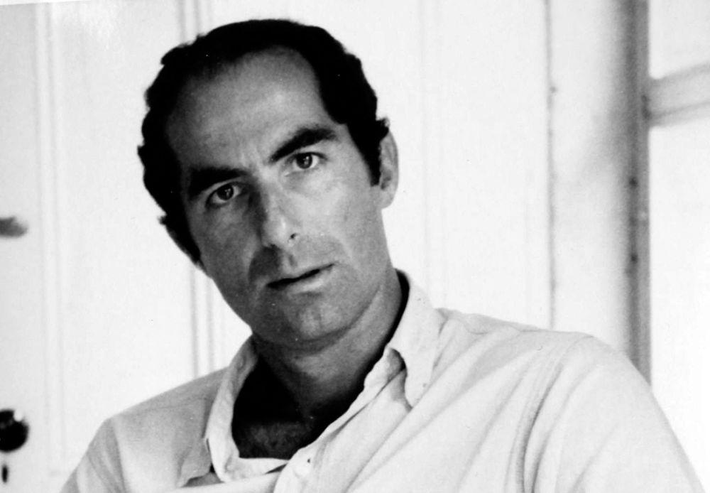 """Roth escribió más de 30 libros, incluido su volumen de memorias """"Patrimonio"""" (1991), que examinó su compleja relación con su padre y ganó el Premio del Círculo Nacional de Críticos de Libros (Cortesía: Philip Roth)"""