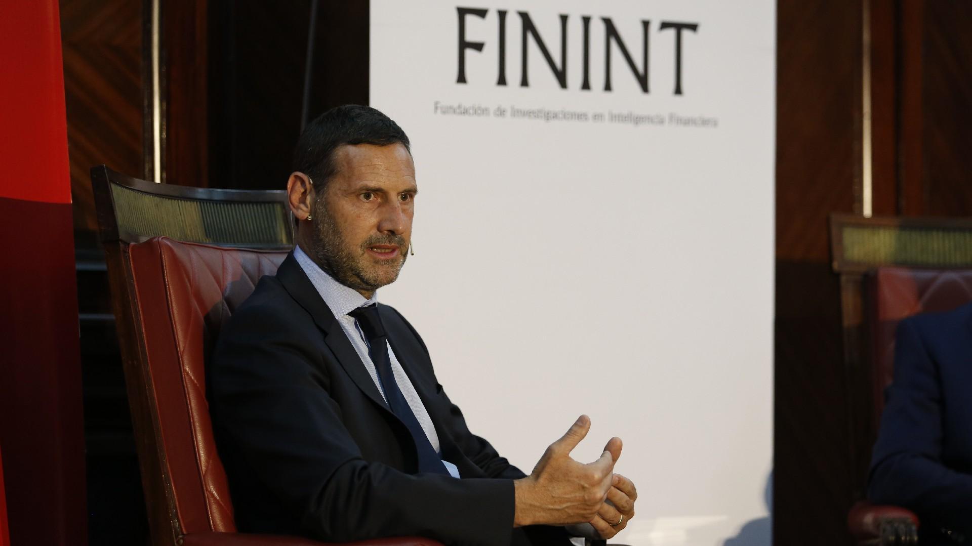 Juan Félix Marteau, Fundador de FININT. Director del programa de Posgrado PGLAFT-UBA
