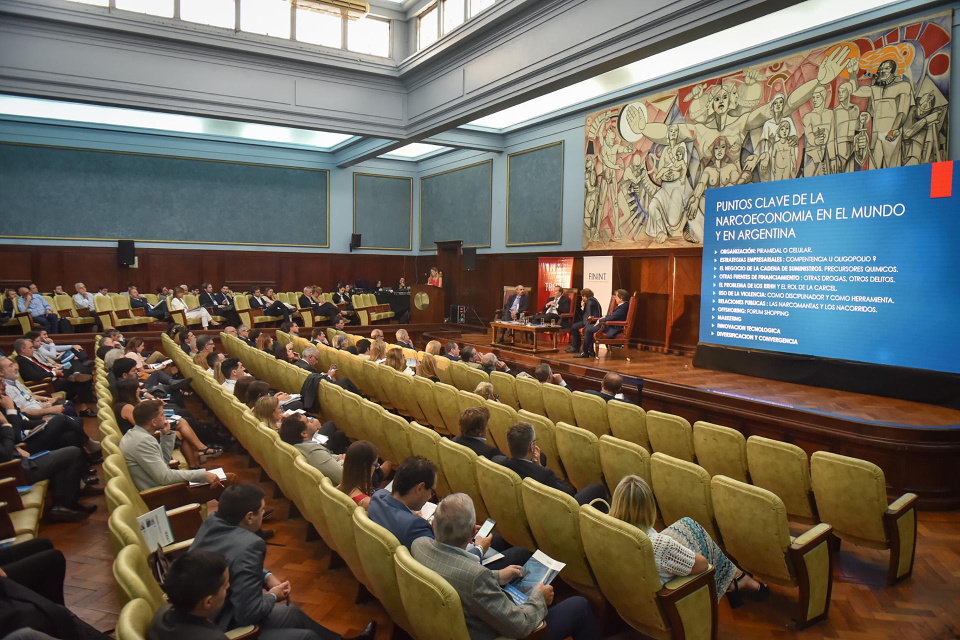"""El Workshop """"Las Finanzas del terrorismo y el crimen organizado"""" se realizó en el aula magna de la Facultad de Derecho de la Universidad de Buenos Aires"""