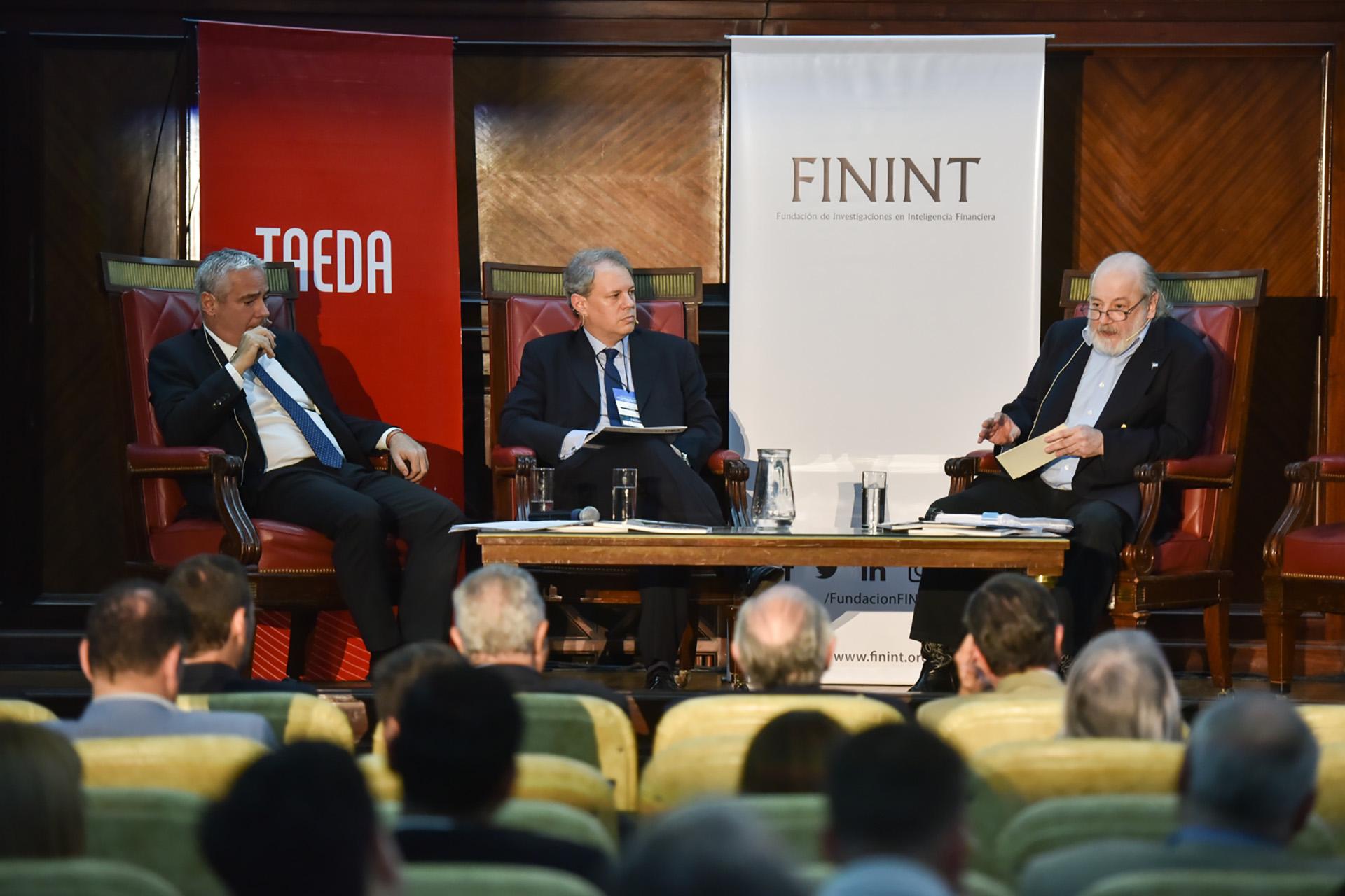 Sergio Torres, el periodista Claudio Savoia y Claudio Bonadio
