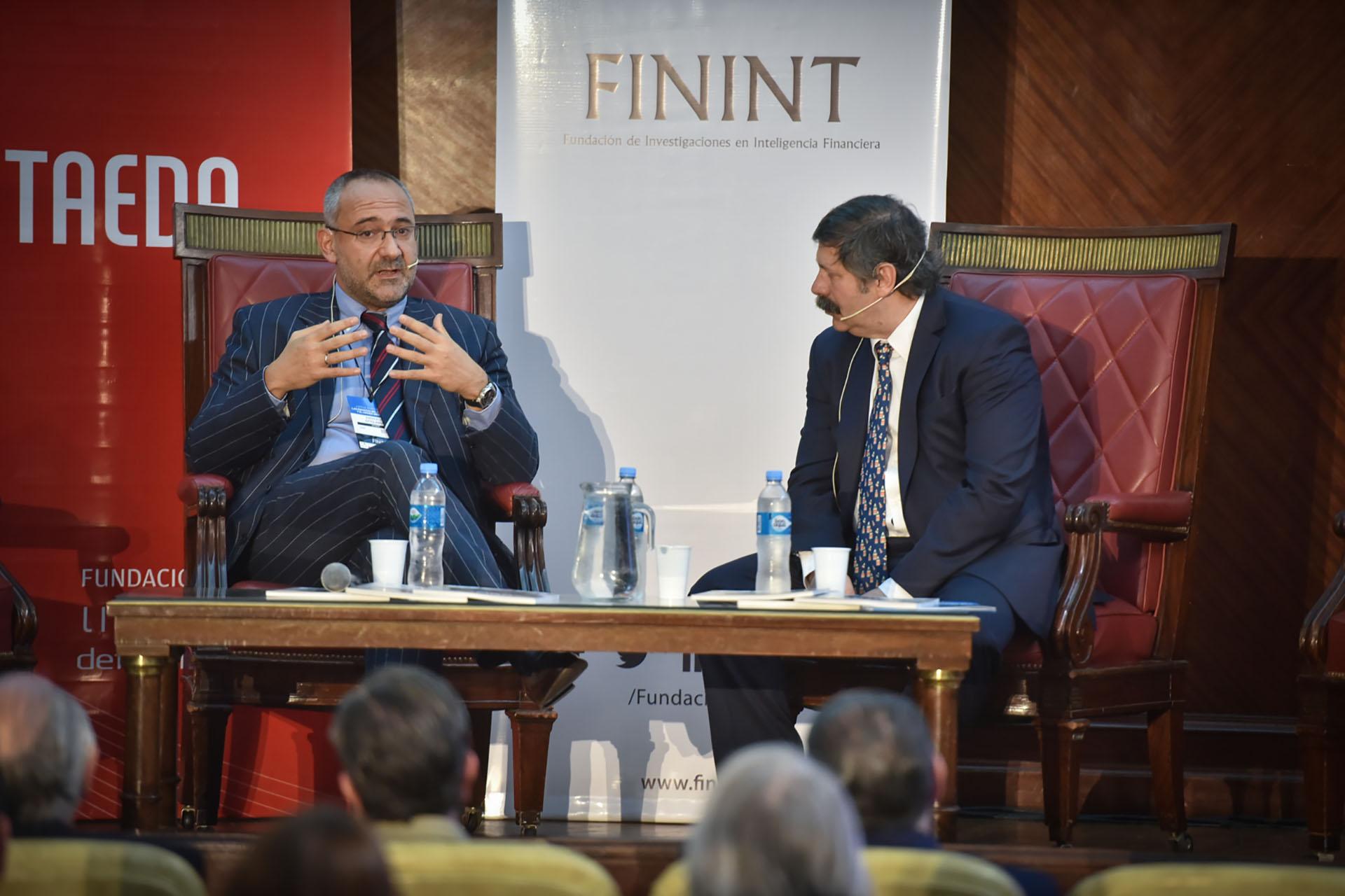 Emanuele Ottolenghi, investigador de la Fundación para la Defensa de la Democracia, junto al periodista Román Lejtman