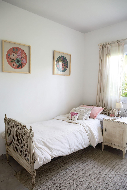 Una Casa Femenina Y Singular Para Vivir En Familia Sintonia Uno # Alejandra Hoeffner Muebles