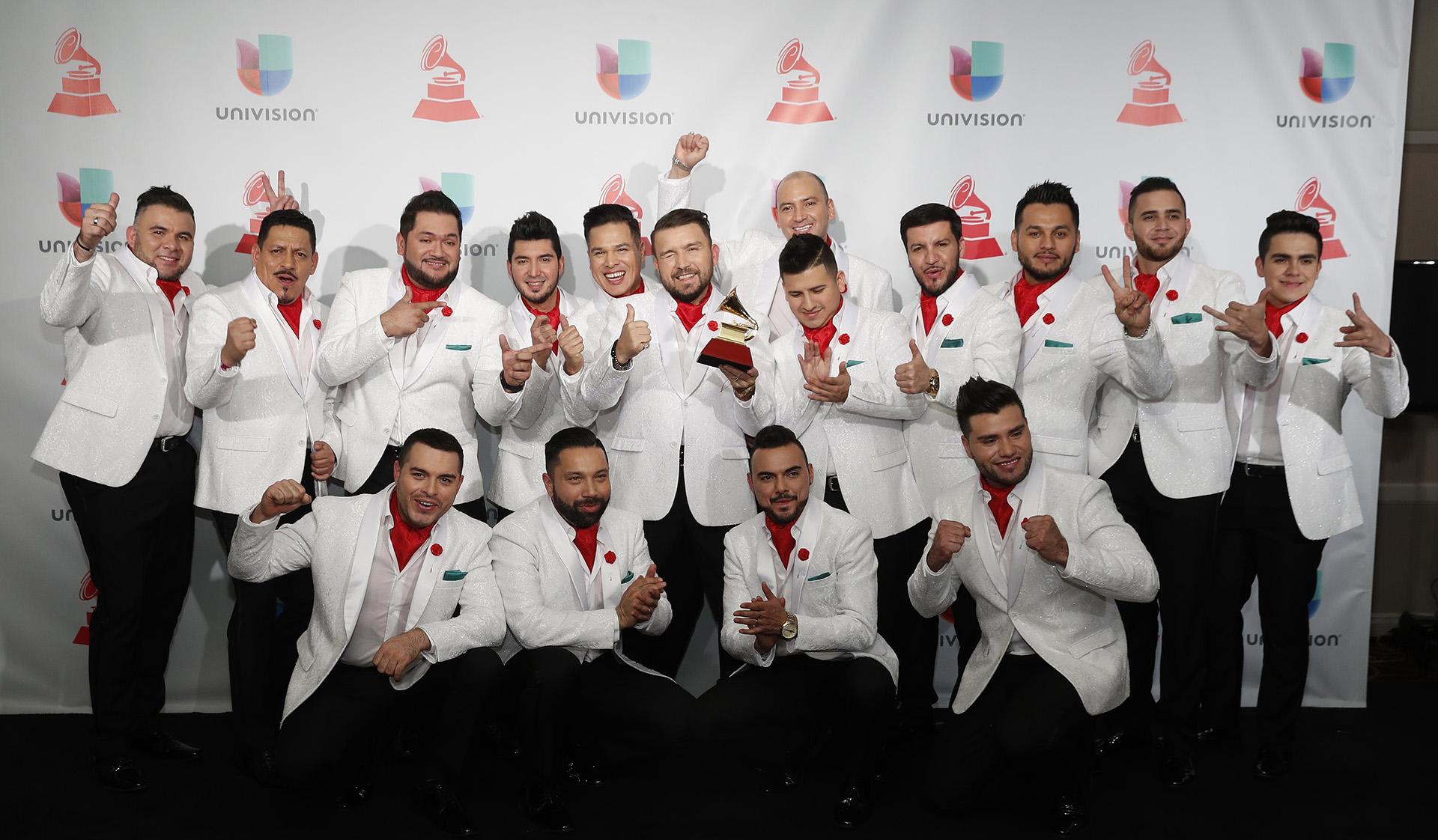 """Ayer y Hoy ganaron por su álbum """"Banda El Recodo De Cruz Lizarraga"""" (REUTERS/Steve Marcus)"""