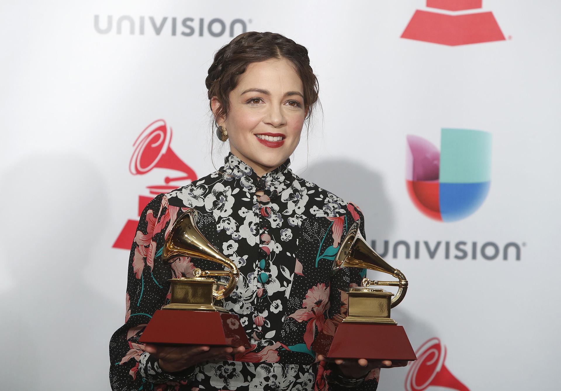 """Natalia Lafourcade se impuso en la categoría Álbum Folclórico por """"Musas"""" y Video Musical por """"Musas, El Documental"""" (REUTERS/Steve Marcus)"""