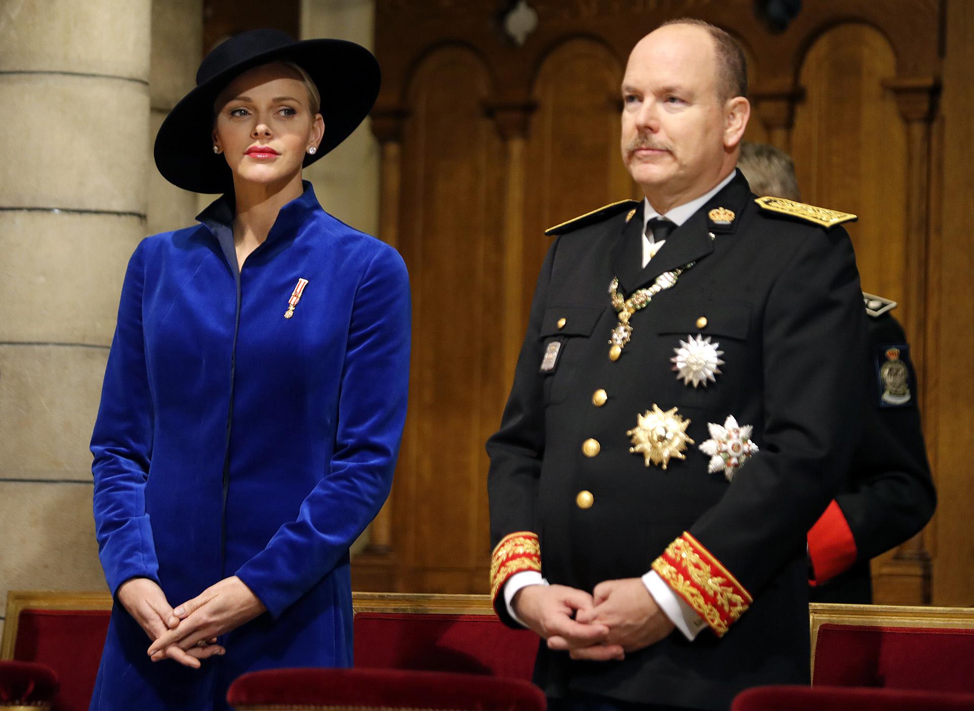 Charlene junto a su marido durante la ceremonia. El Día Nacional es la fecha más importante del calendario nacional monegasco