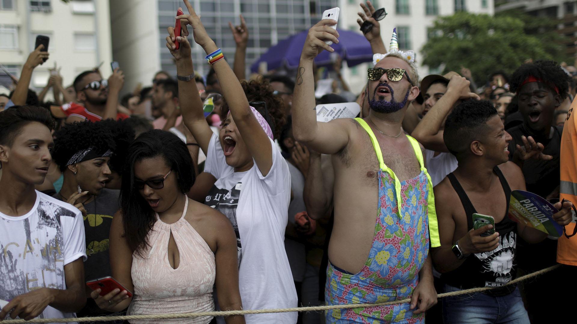 Los artistas que animaron el desfile renunciaron a su cachet, como la cantante Daniela Mercury, una de las primeras en haber asumido su homosexualidad, o la transformista Pablo Vittar, verdadero fenómeno de la escena pop brasileña actual