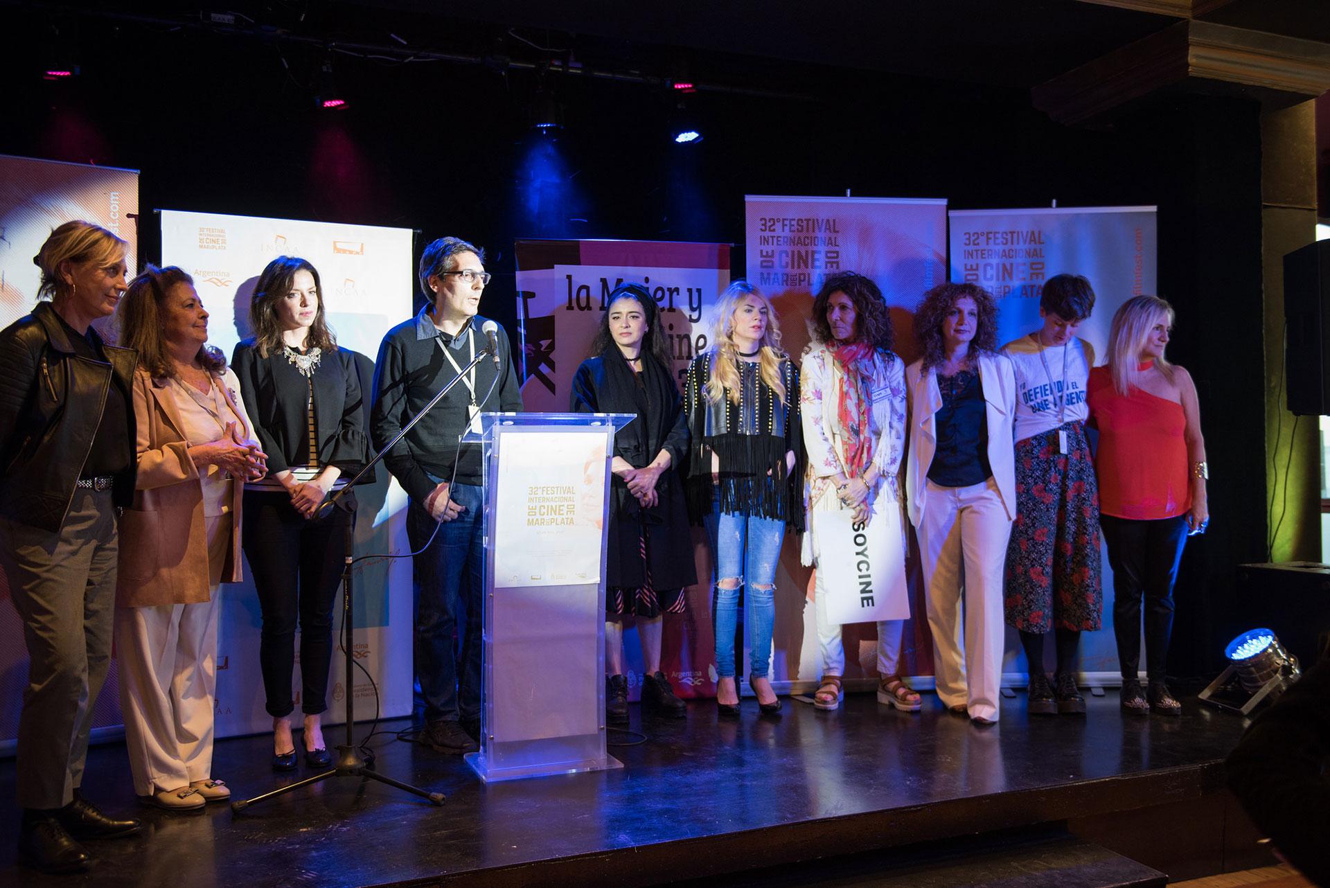La Asociación La Mujer y el Cine, que busca apoyar, difundir y promocionar el cine realizado por mujeres de la Argentina, cumplirá 30 años en mayo próximo, pero anticipó sus festejos con un evento especial en el que se llevó a cabo un homenaje a Lita Stantic.