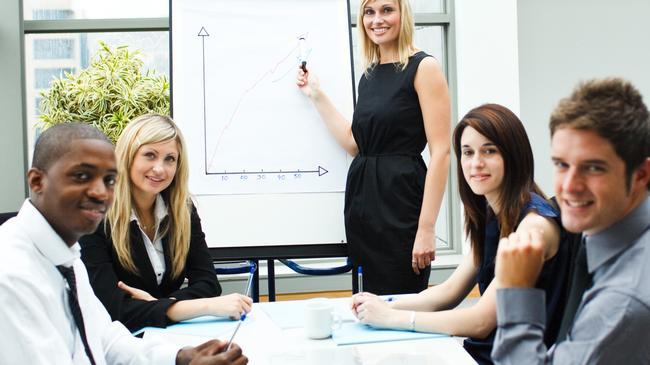 Los resultados obtenidos demostraron que las mujeres lideran con un estilo más democrático y participativo en relación con los hombres
