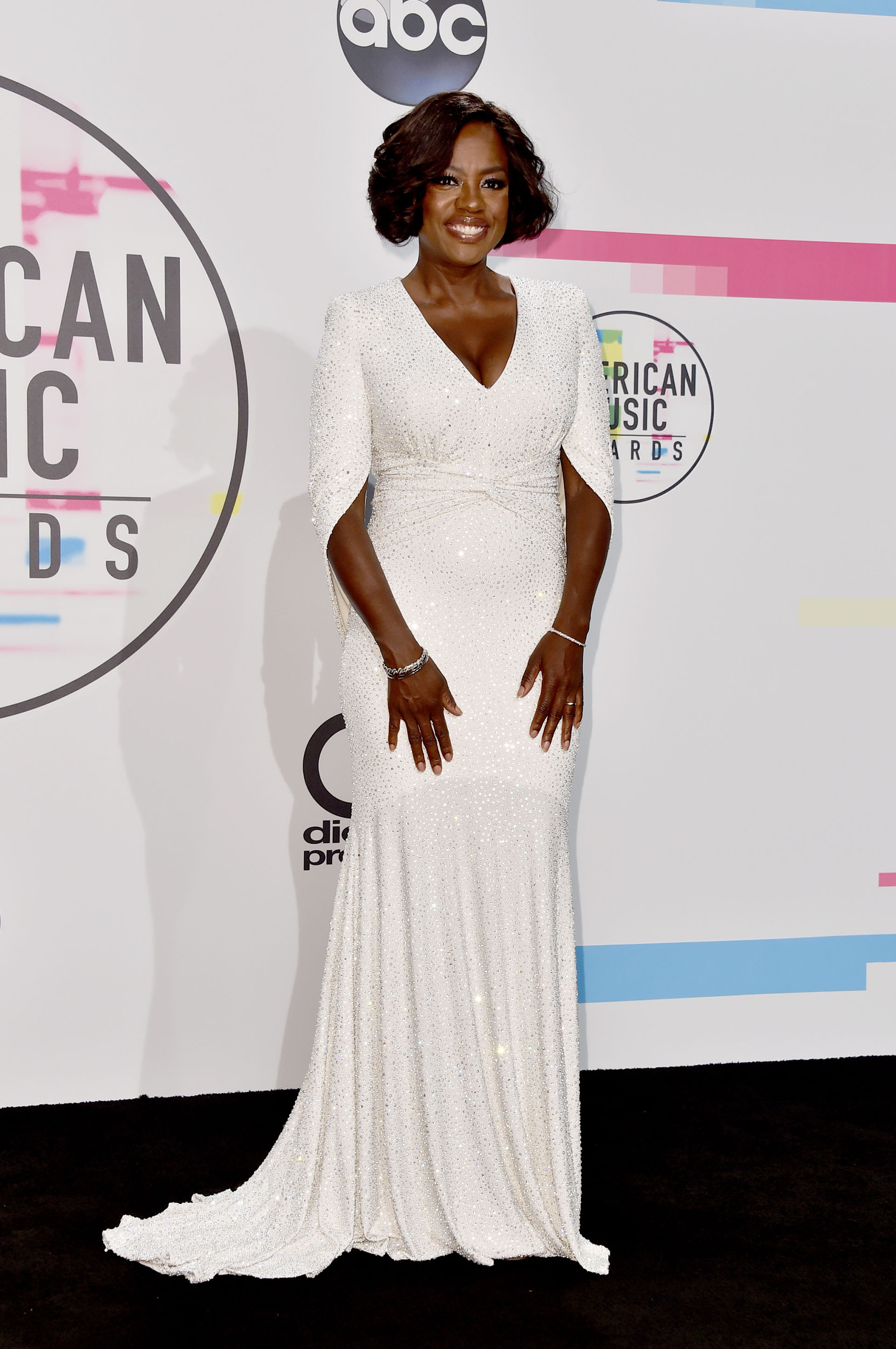 Blanco puro y elegante para la gran Viola Davis