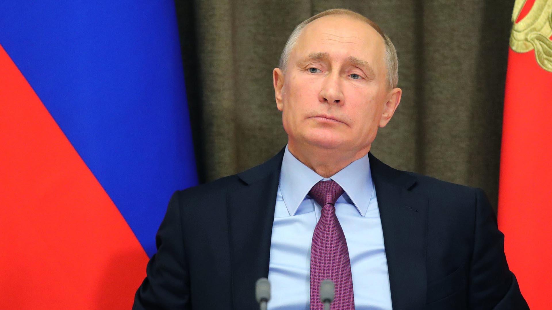 El presidente ruso, Vladimir Putin,estuvo personalmente a cargo de la operación contra las elecciones en los EEUU, según Malcolm Nance (EFE/Michael Klimentyev/Sputnik)