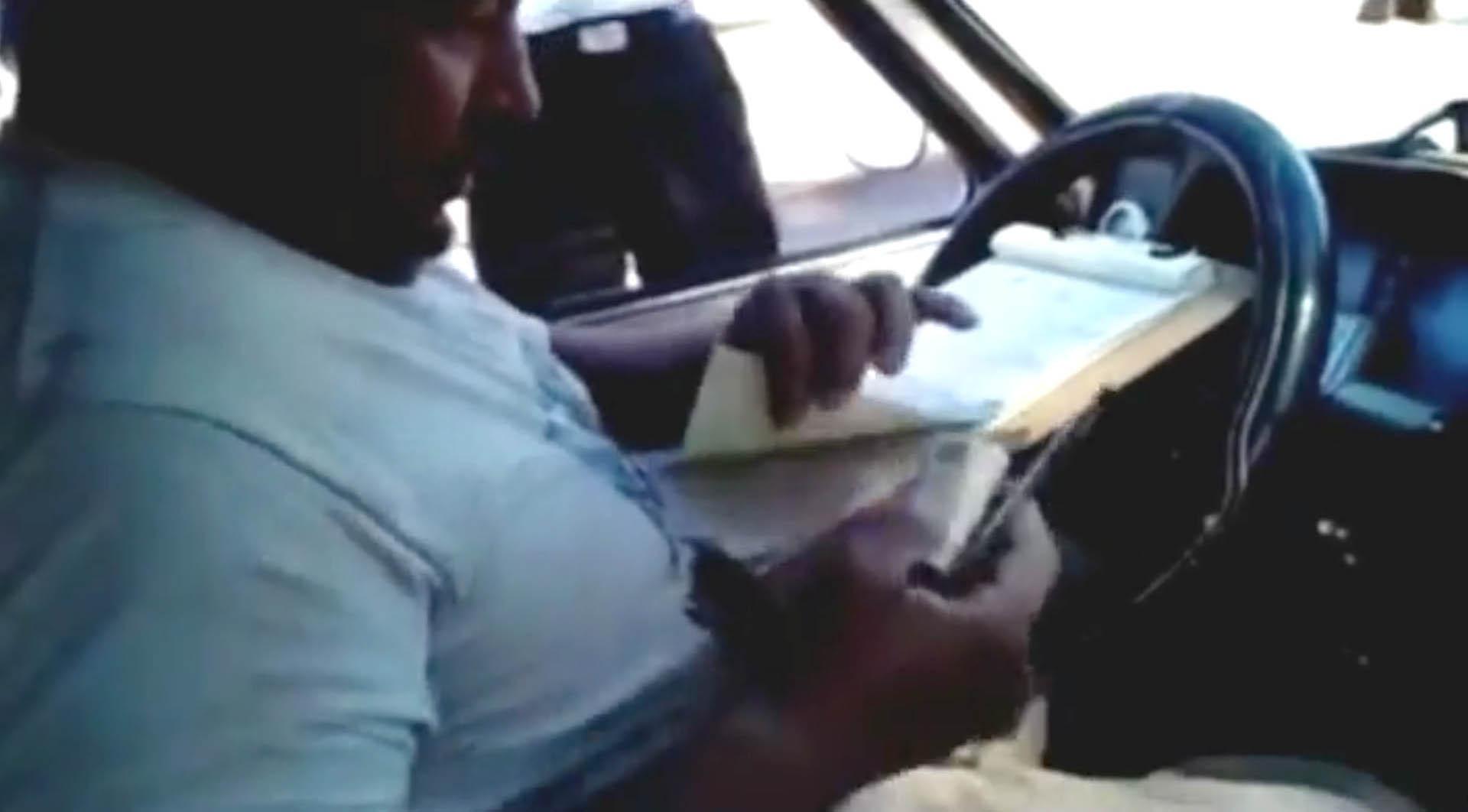 El agente de tránsito municipal fue separado de su cargo.