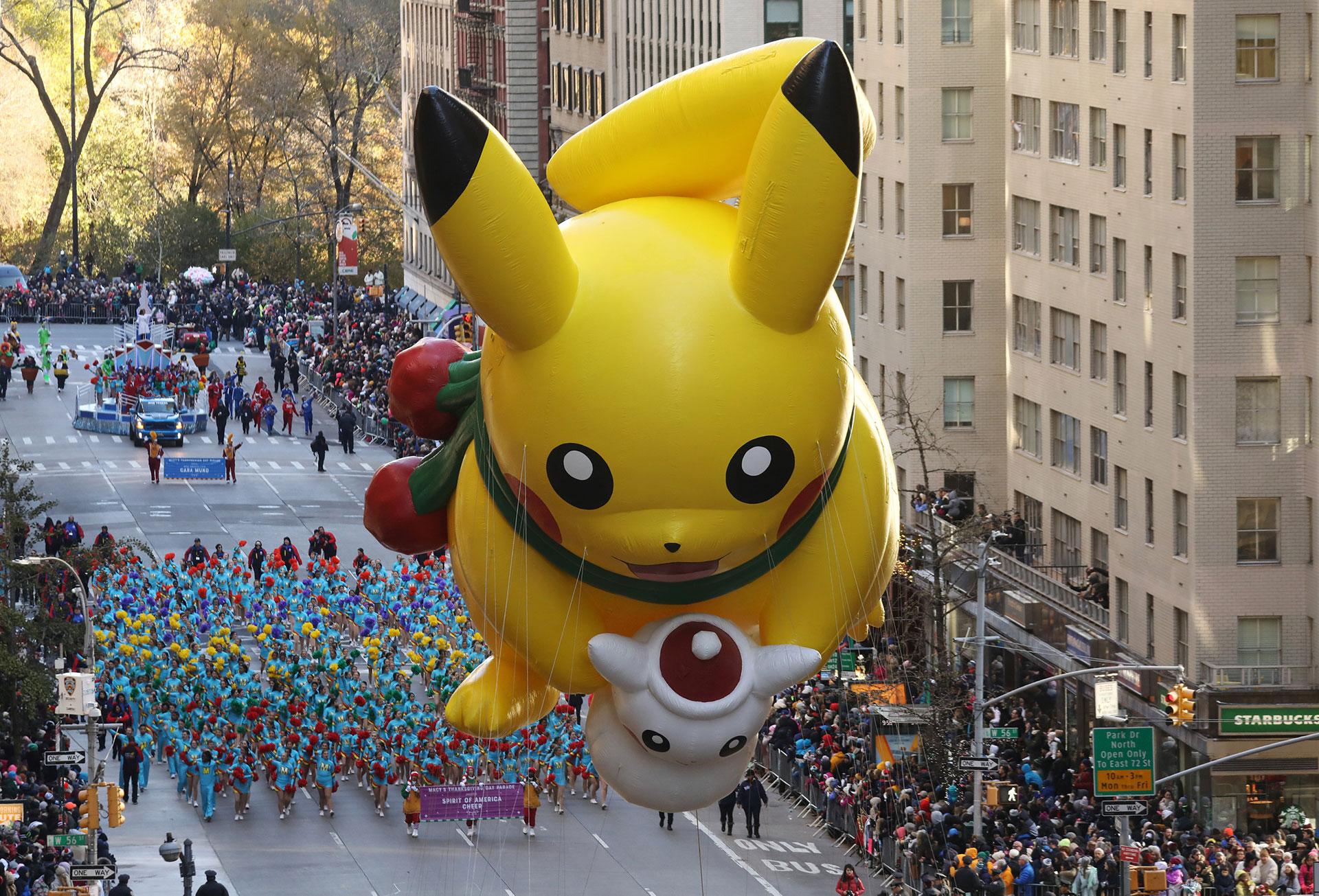 Pikachu sobre la Sexta Avenida de Nueva York. (Reuters)