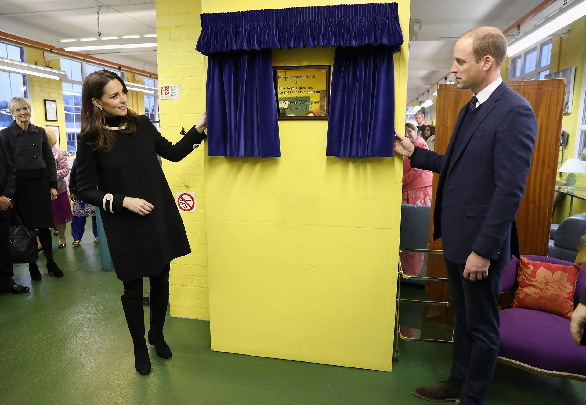 Mientras los duques aún cuidan en su casa a la pequeña Charlotte, el príncipe George ya asiste a diario al colegio Thomas's Battersea, al sur de Londres /// Fotos: Getty Images