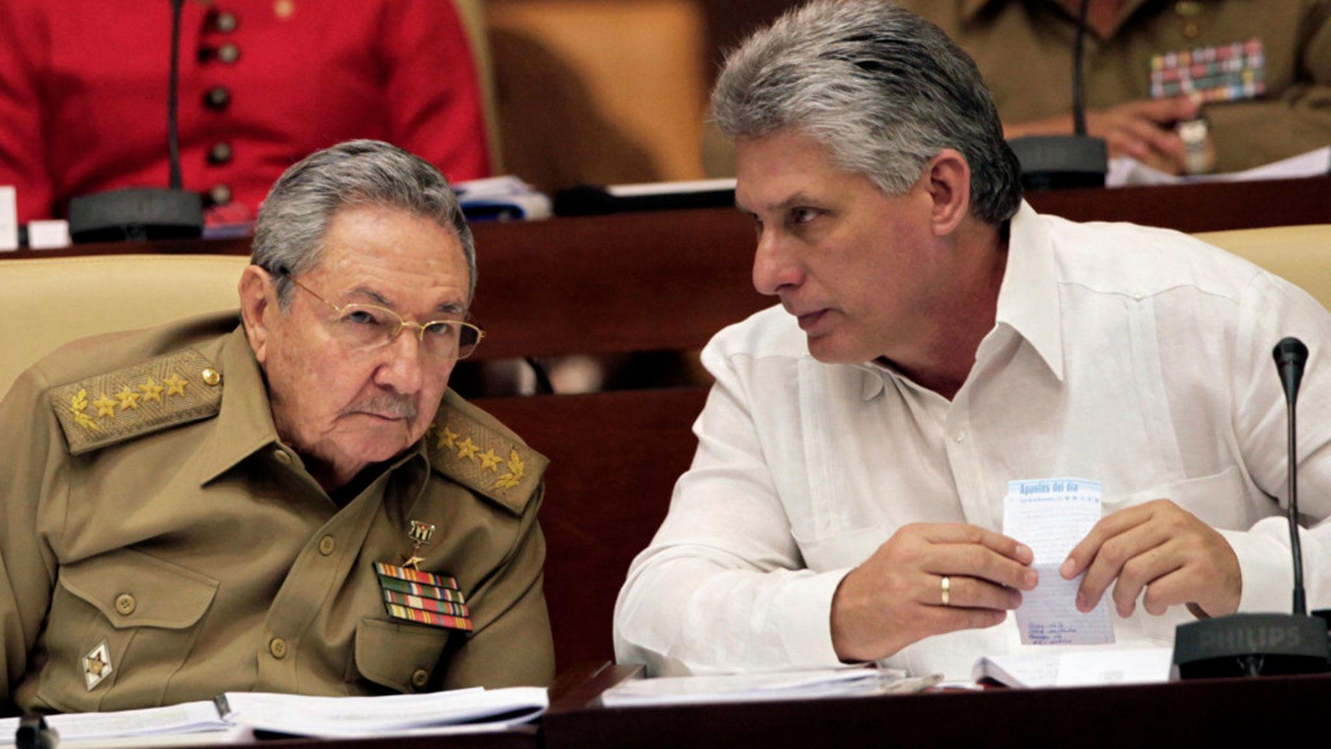 Raúl Castro y su posible sucesor, Miguel Díaz Canel