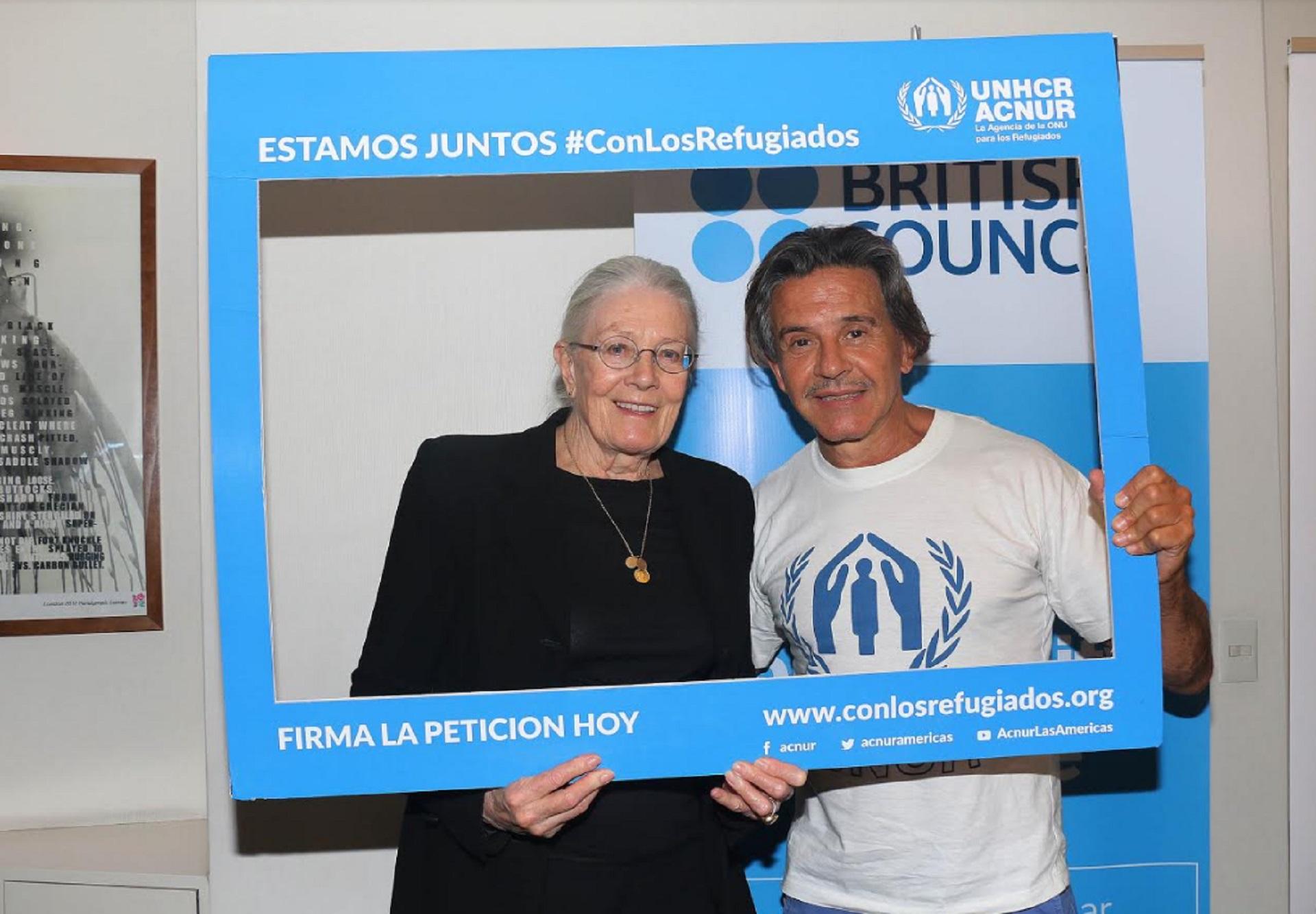 Osvaldo Laport ( Embajador de ACNUR ) y la actriz británica Vanessa Redgrave ( Embajadora de Buena Voluntad de UNICEF ) compartieron sus experiencias con los refugiados en una charla con periodistas (Crédito: Verónica Guerman/Teleshow)