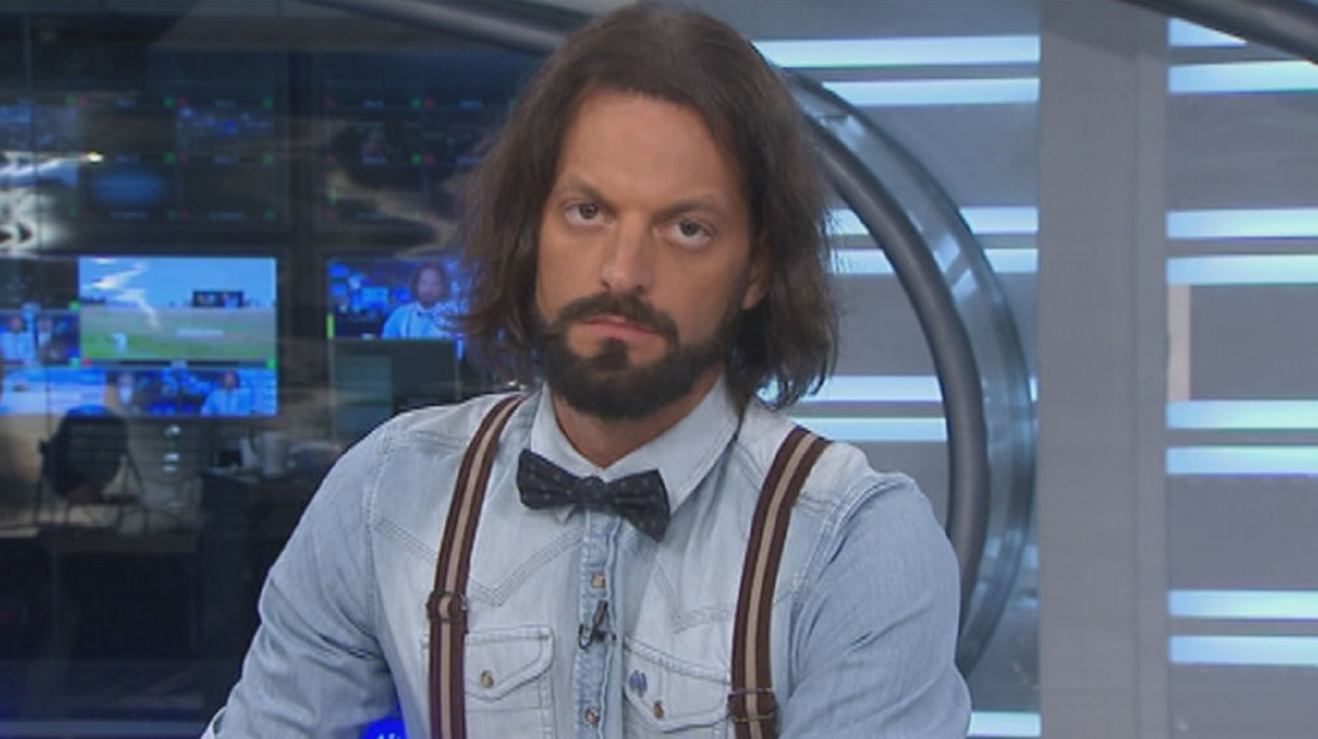 """Juan Manuel """"Rifle"""" Varela se fue de TN y El Trece, después de 10 años en la pantalla de la señal de noticias y 3 en el canal de aire. El viernes fue su última aparición, con la cobertura del sorteo del Mundial Rusia 2018"""